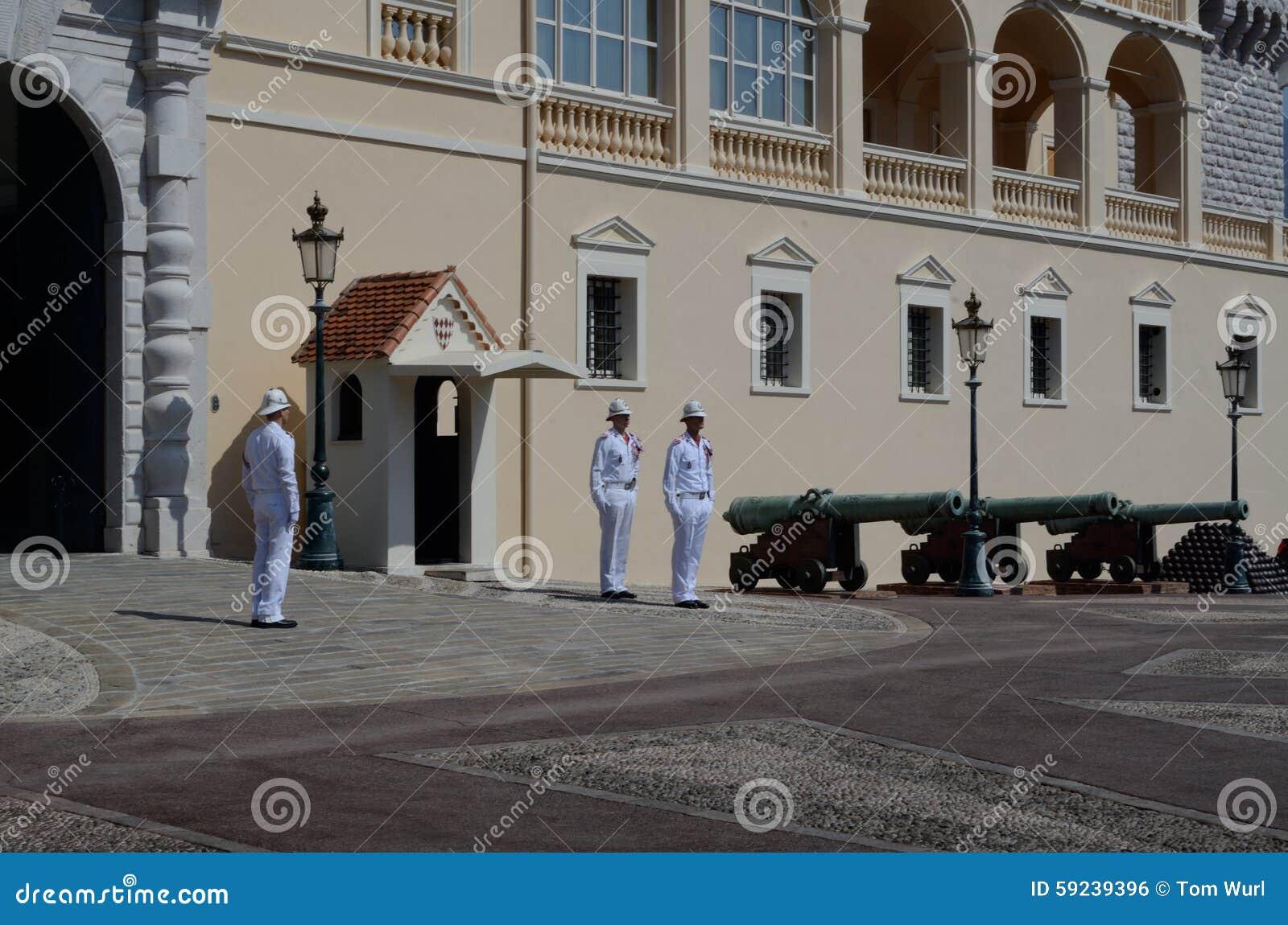 Download Cambio Del Guardia, Cañones, Mónaco, Tom Wurl Foto editorial - Imagen de mediterráneo, camino: 59239396