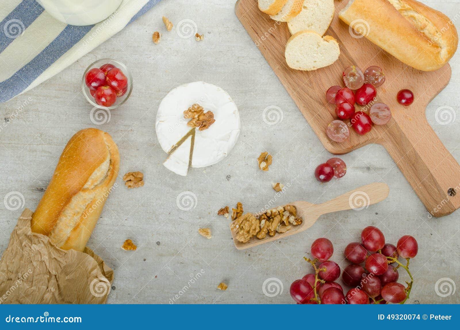 Camembert frais des fermes organiques