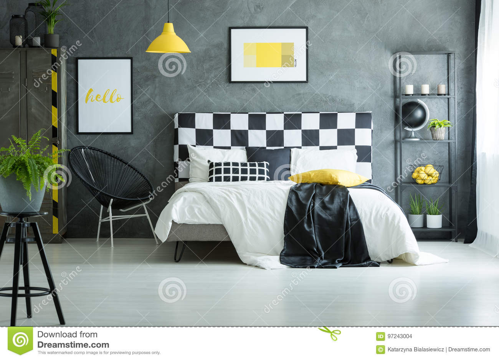 Pavimento Bianco Grigio : Camera da letto accogliente con il pavimento bianco lucido