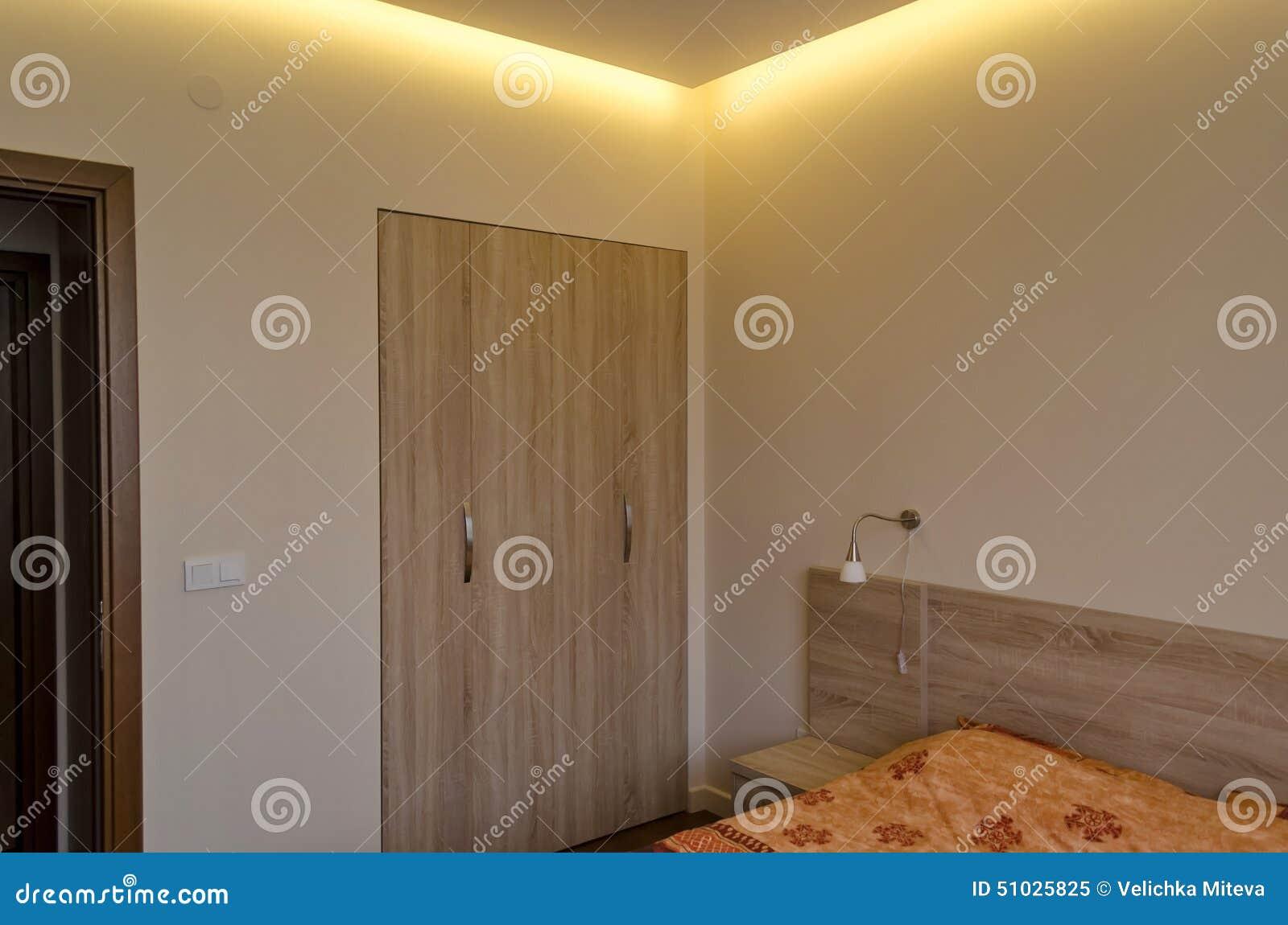 Armadio ad angolo ikea - Camera da letto del papa ...
