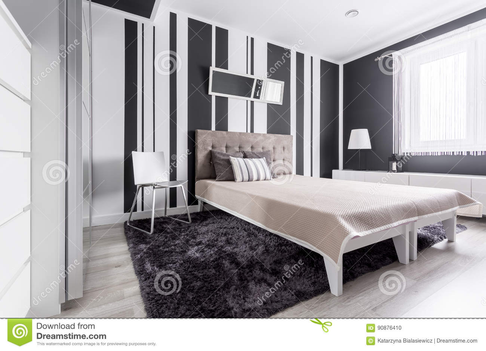 Camera Da Letto Bianca E Nera camera da letto bianca e nera fotografia stock - immagine di
