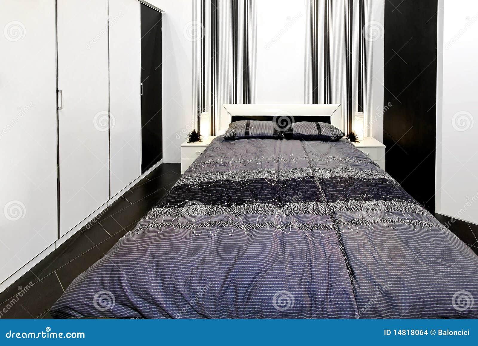 Camere Da Letto In Bianco E Nero : Camera da letto in bianco e nero fotografia stock