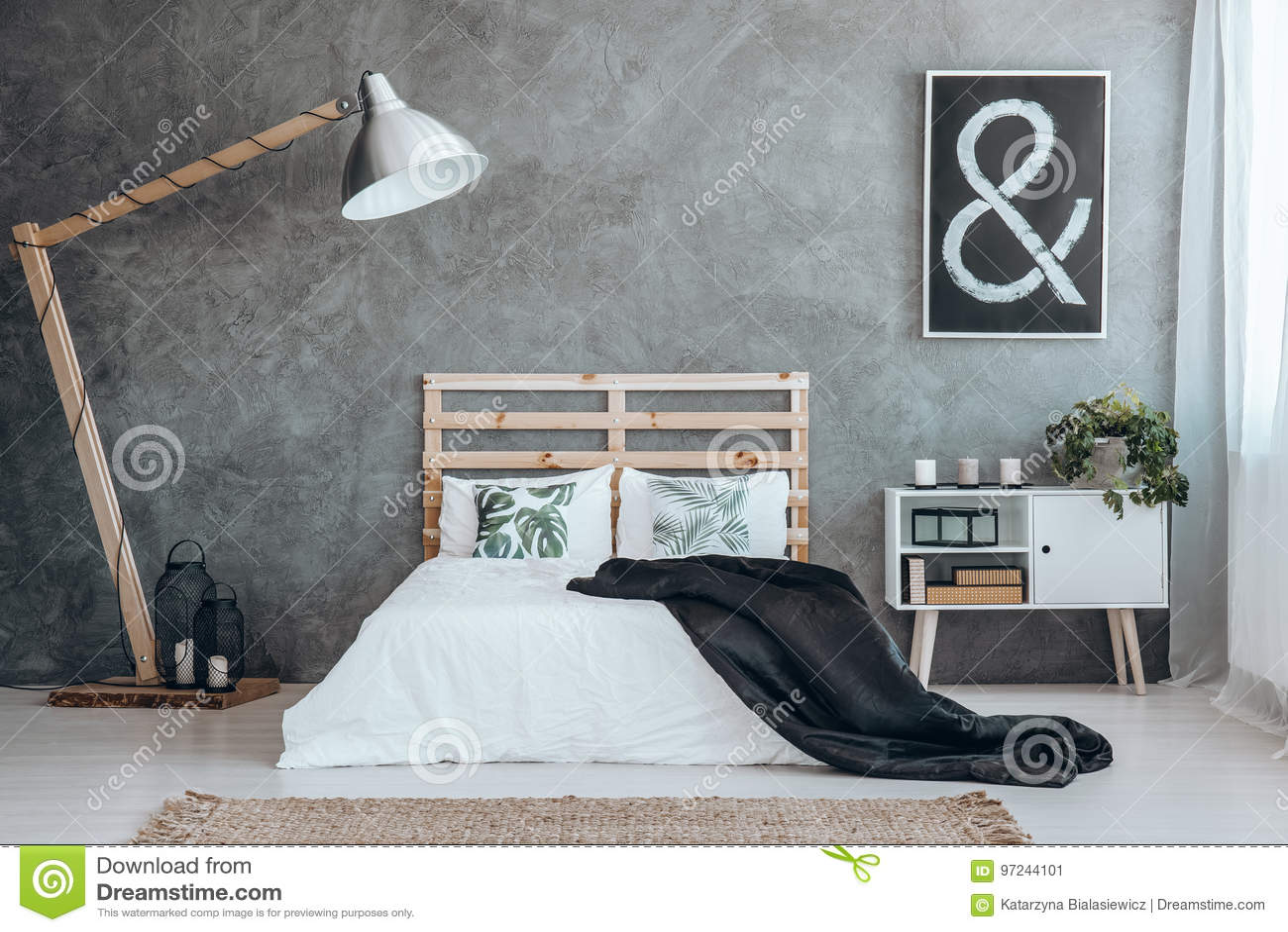 Camera Da Letto Bianco E Nero : Camera da letto in bianco e nero semplice immagine stock immagine