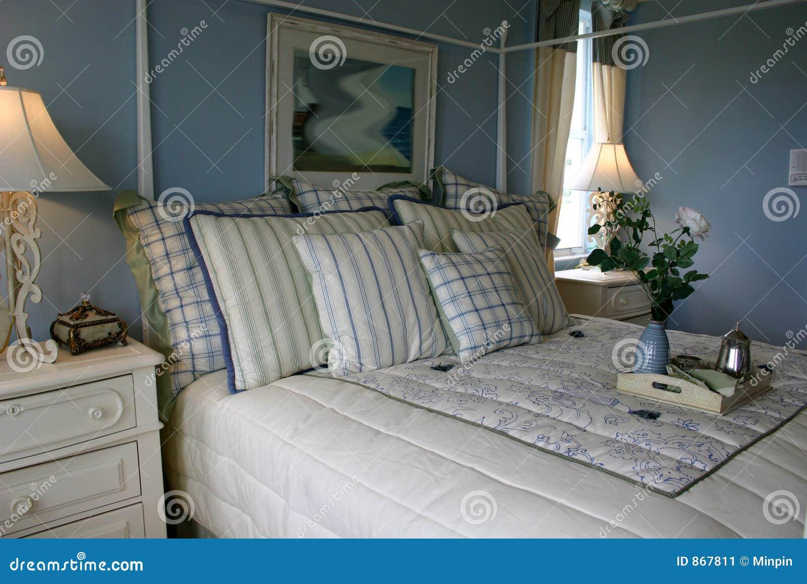 Camera da letto blu immagine stock immagine 867811 - Pareti blu camera da letto ...