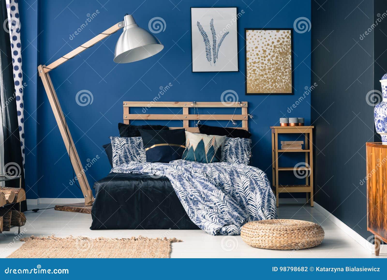 Camera Da Letto Blu, Tocco Di Oro Fotografia Stock - Immagine di ...