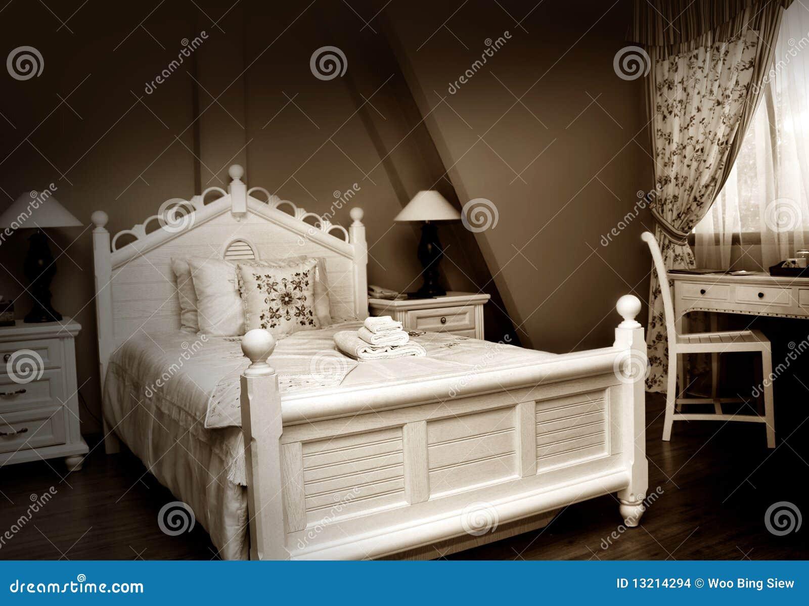 Camera da letto classica fotografia stock immagine di - Camera letto classica ...