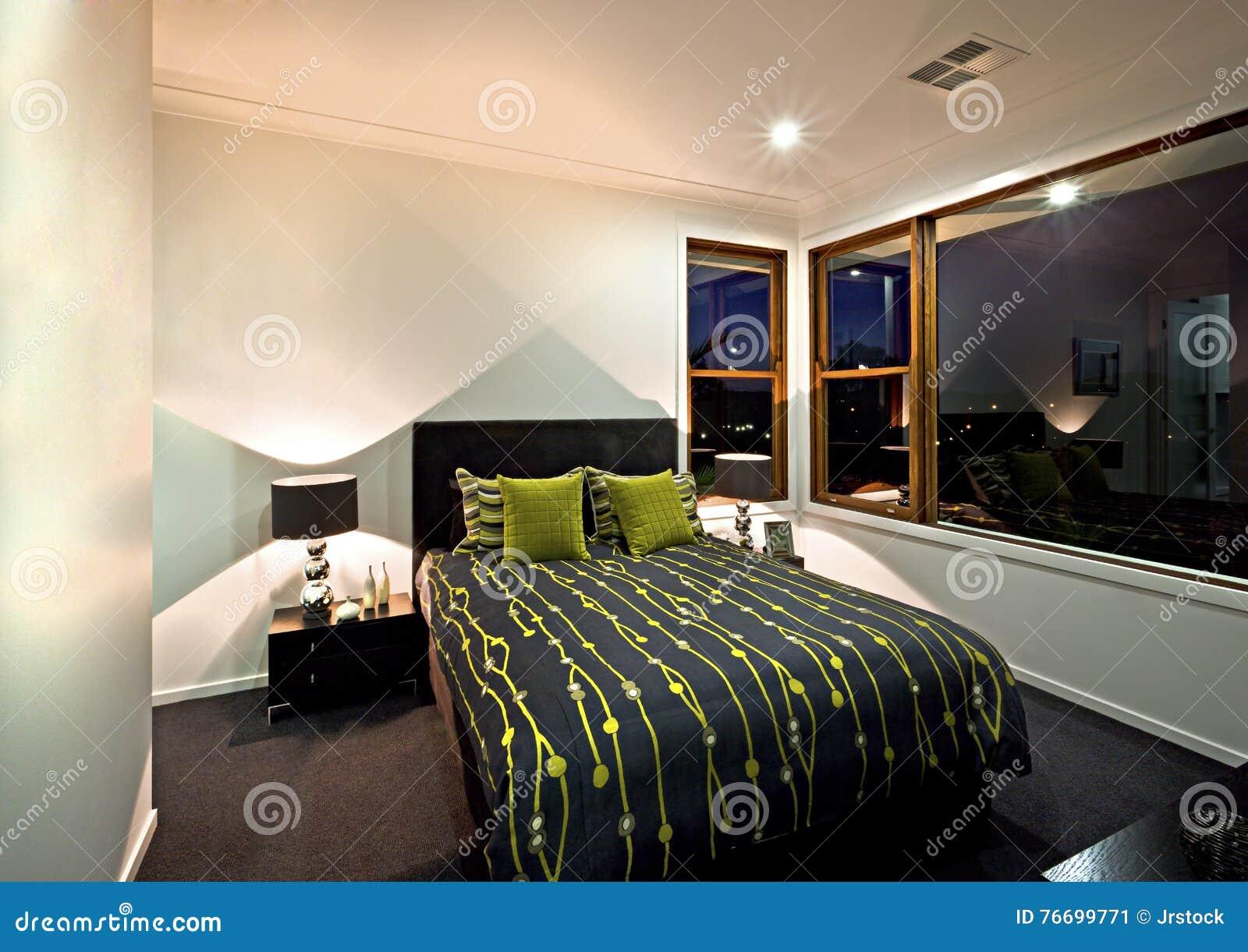 Colori Per Camera Da Letto Classica : Camera da letto classica con la decorazione nera di colore accanto