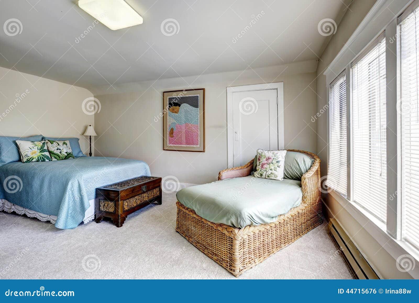 Camera da letto con il divano del vimine e del letto - Camera da letto del papa ...
