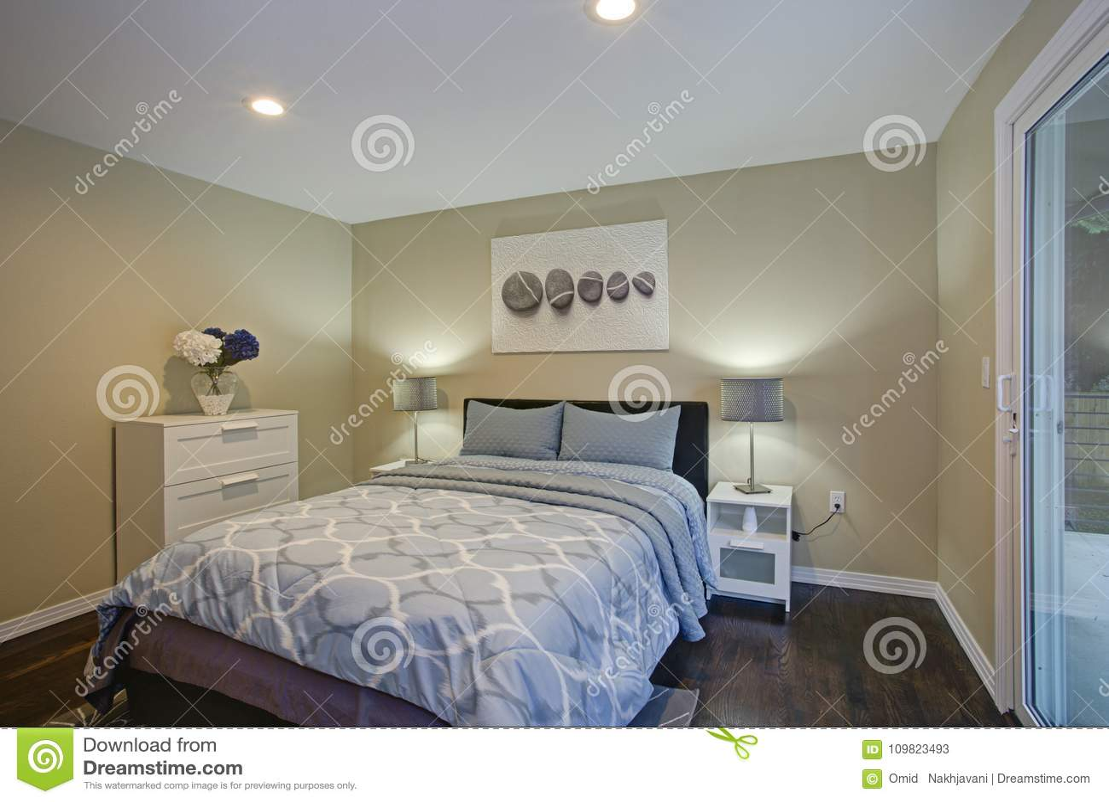 Camere Da Letto Blu : Dipingere camera da letto blu parete a righe azzurre pareti blu