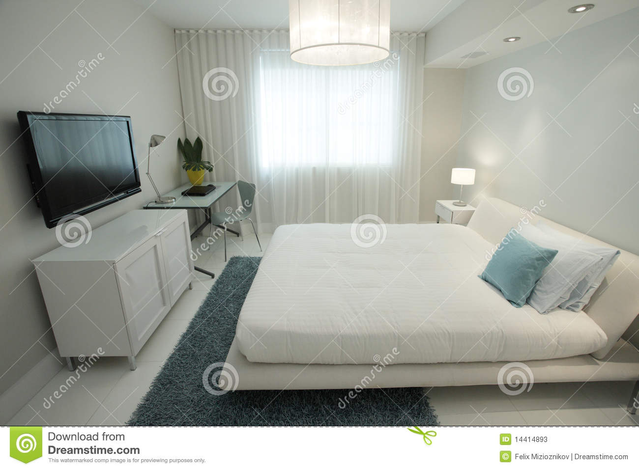 Camera da letto con una televisione di hd immagine stock immagine di base bedroom 14414893 - Tv in camera da letto ...