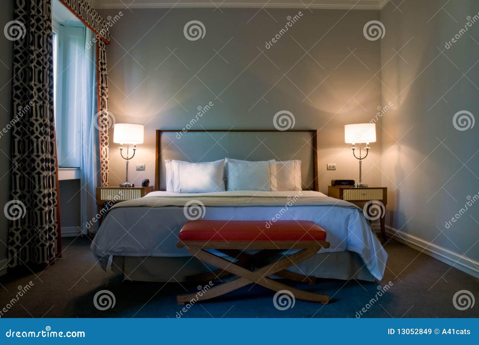 Camera da letto contemporanea di un albergo di lusso - Camera da letto di lusso ...
