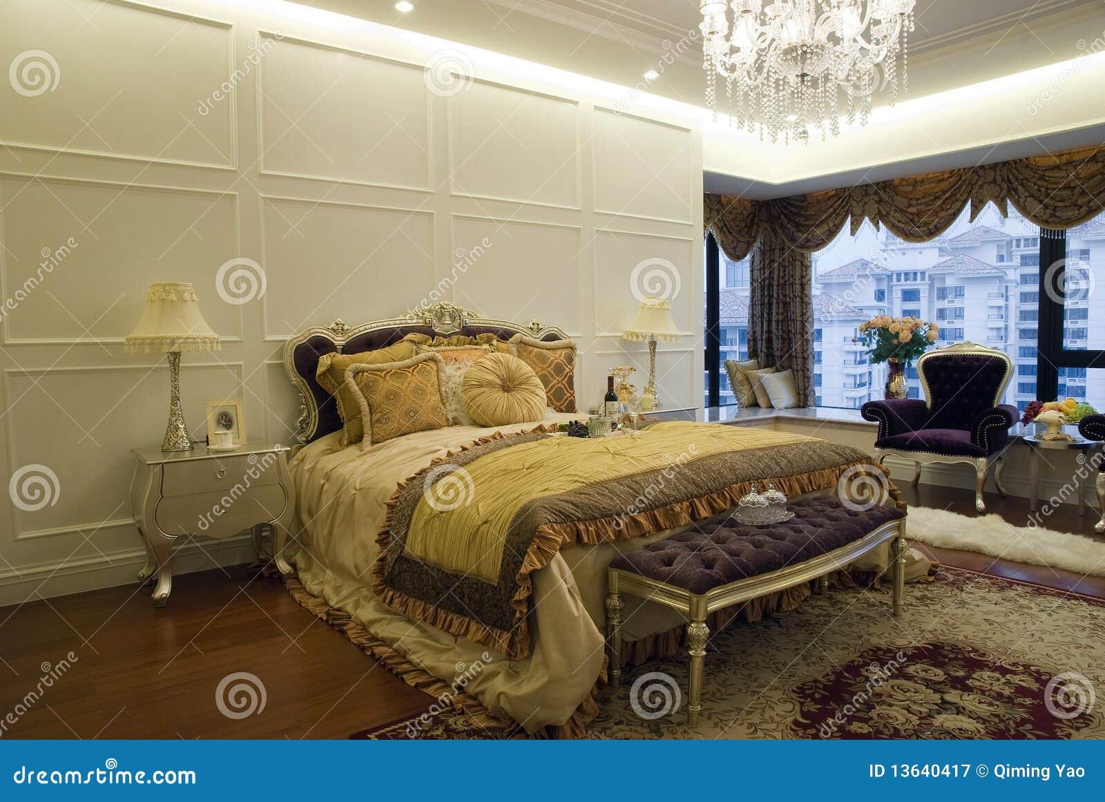 Camera da letto di lusso immagine stock immagine di for 12 piani casa di lusso camera da letto