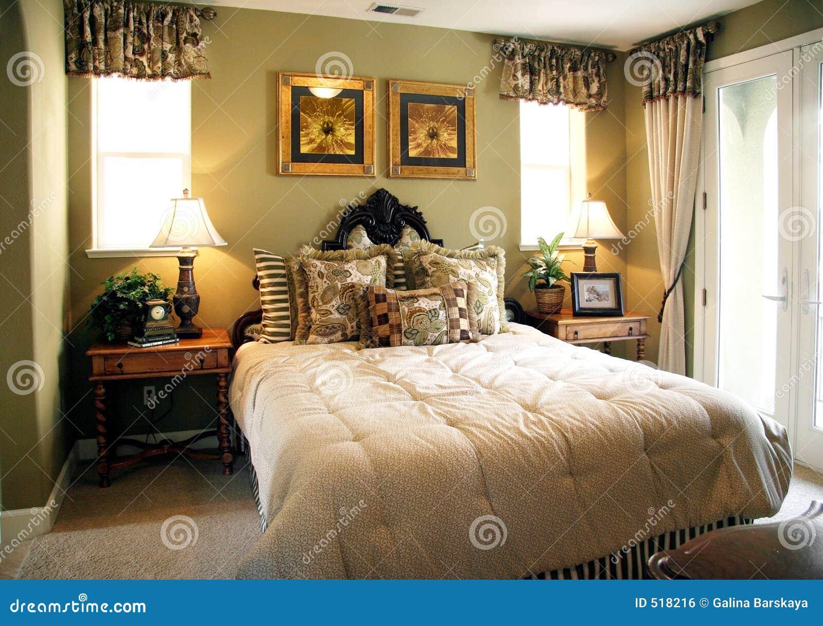 Camera da letto di lusso immagine stock libera da diritti for 12 piani casa di lusso camera da letto