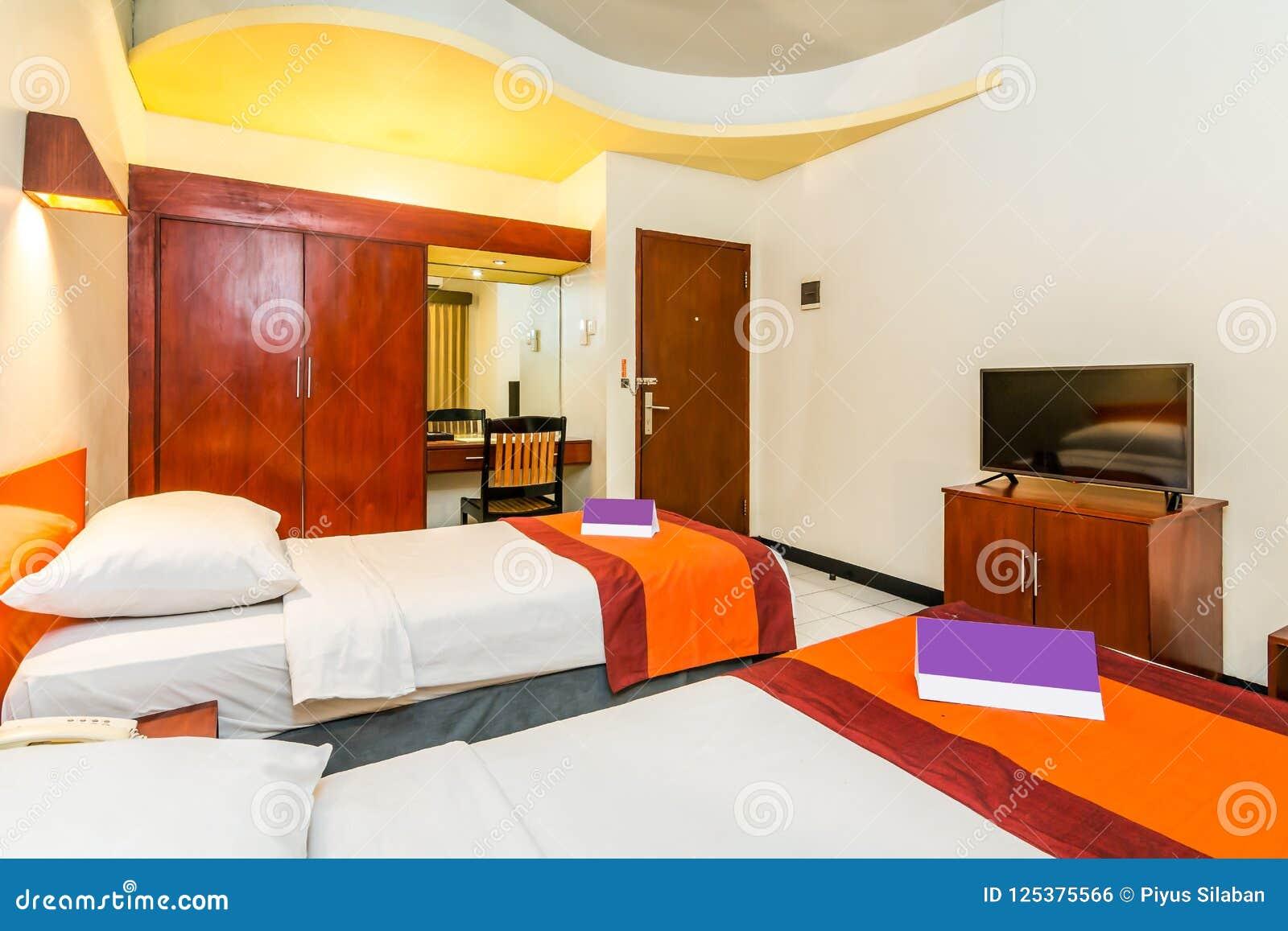 Letti Di Lusso Prezzi : Camera da letto di lusso eccellente dell hotel del letto gemellato