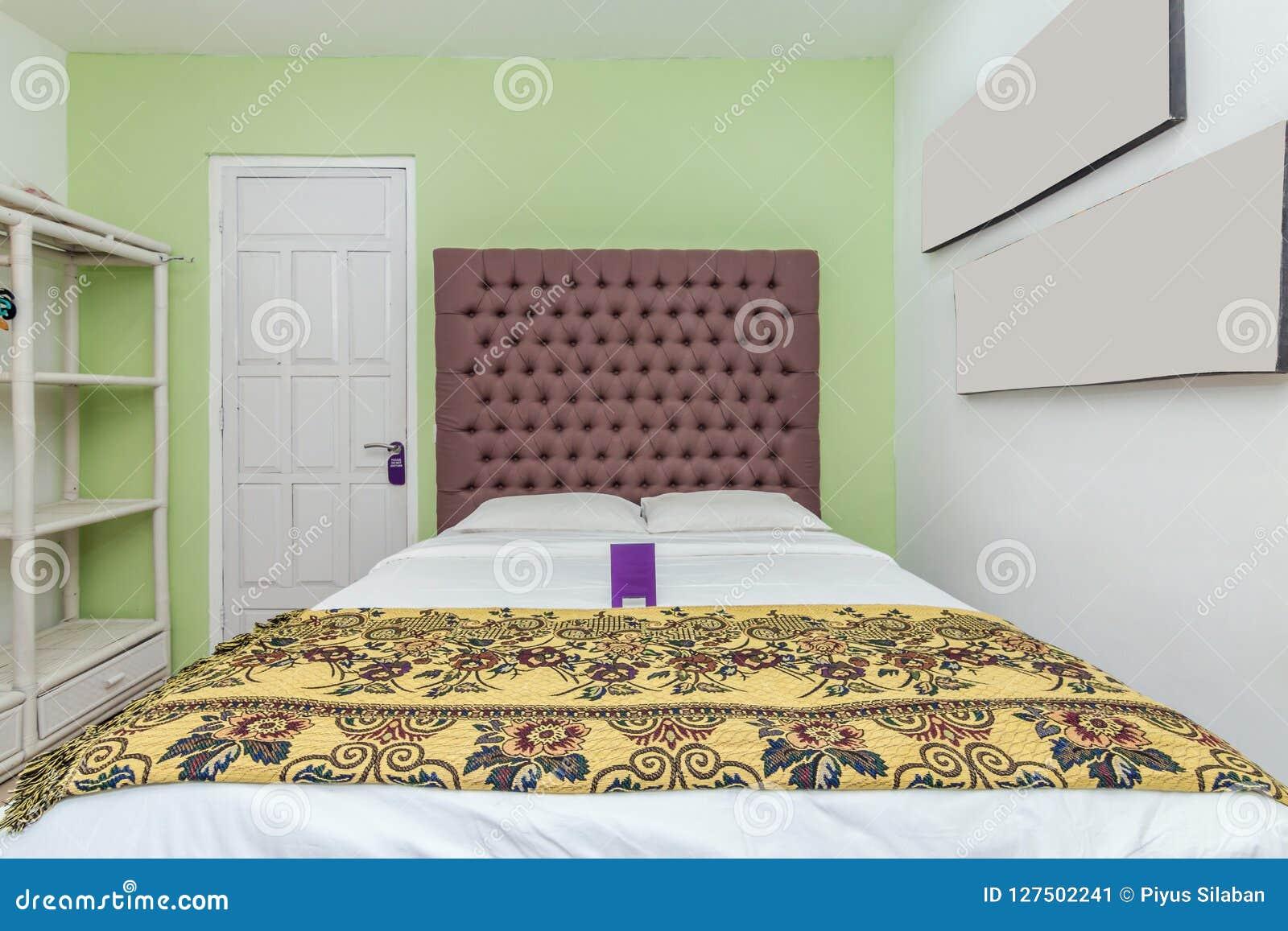 Letti Di Lusso Prezzi : Camera da letto di lusso eccellente della villa immagine stock