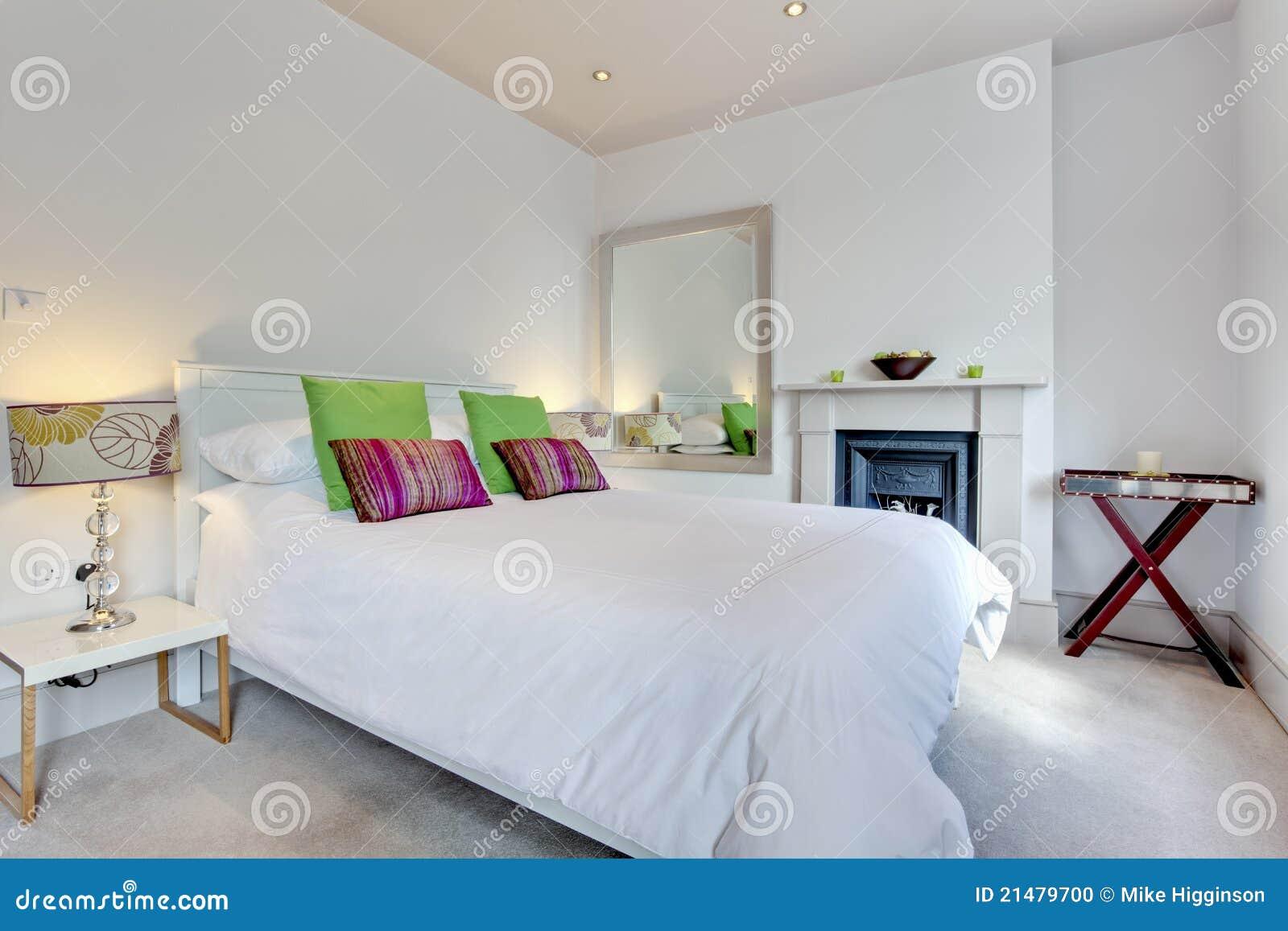 Camera Da Letto Moderna Elegante : Camera da letto di lusso elegante moderna fotografia stock