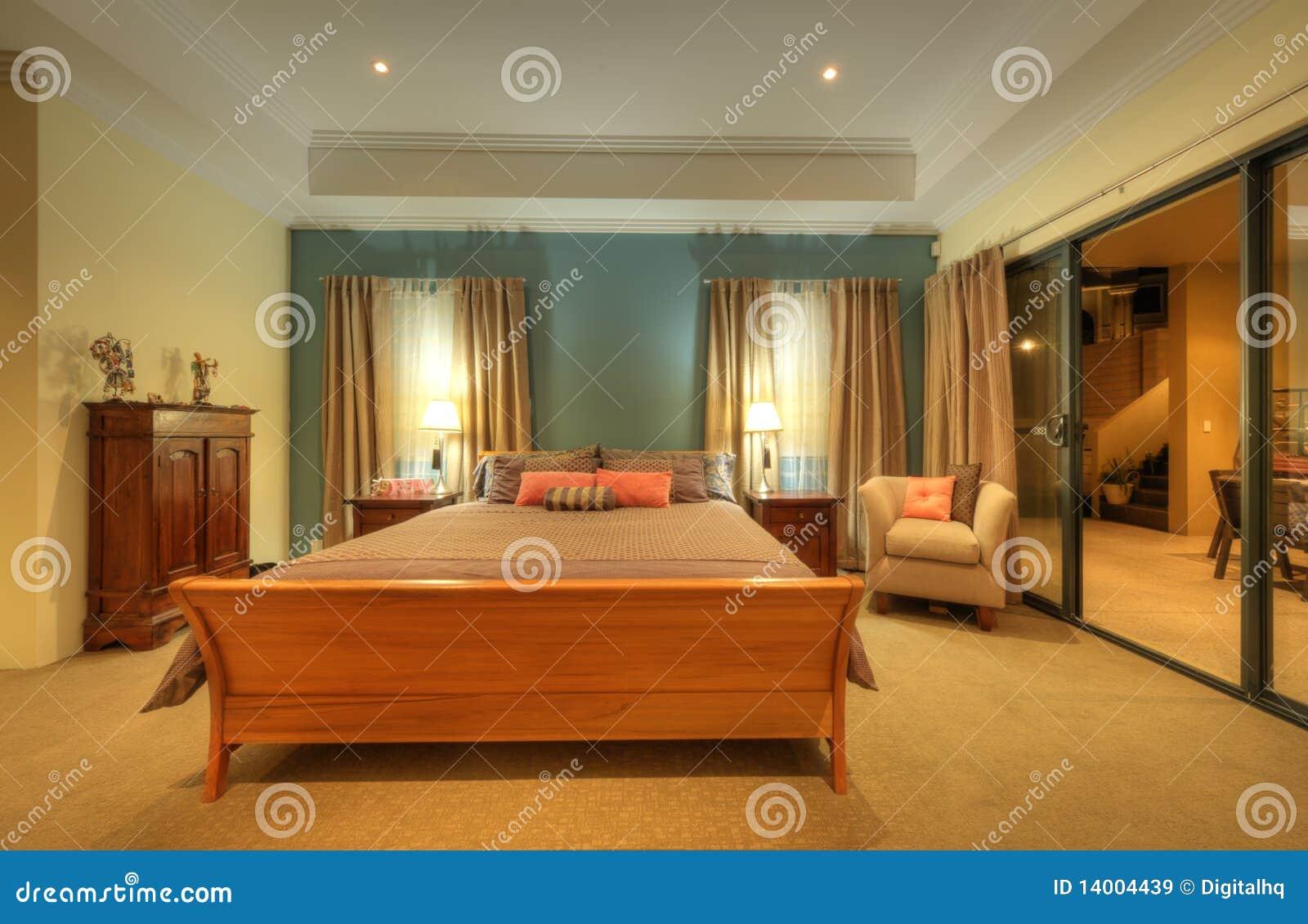 Camera da letto domestica di lusso immagini stock libere - Camera da letto di lusso ...