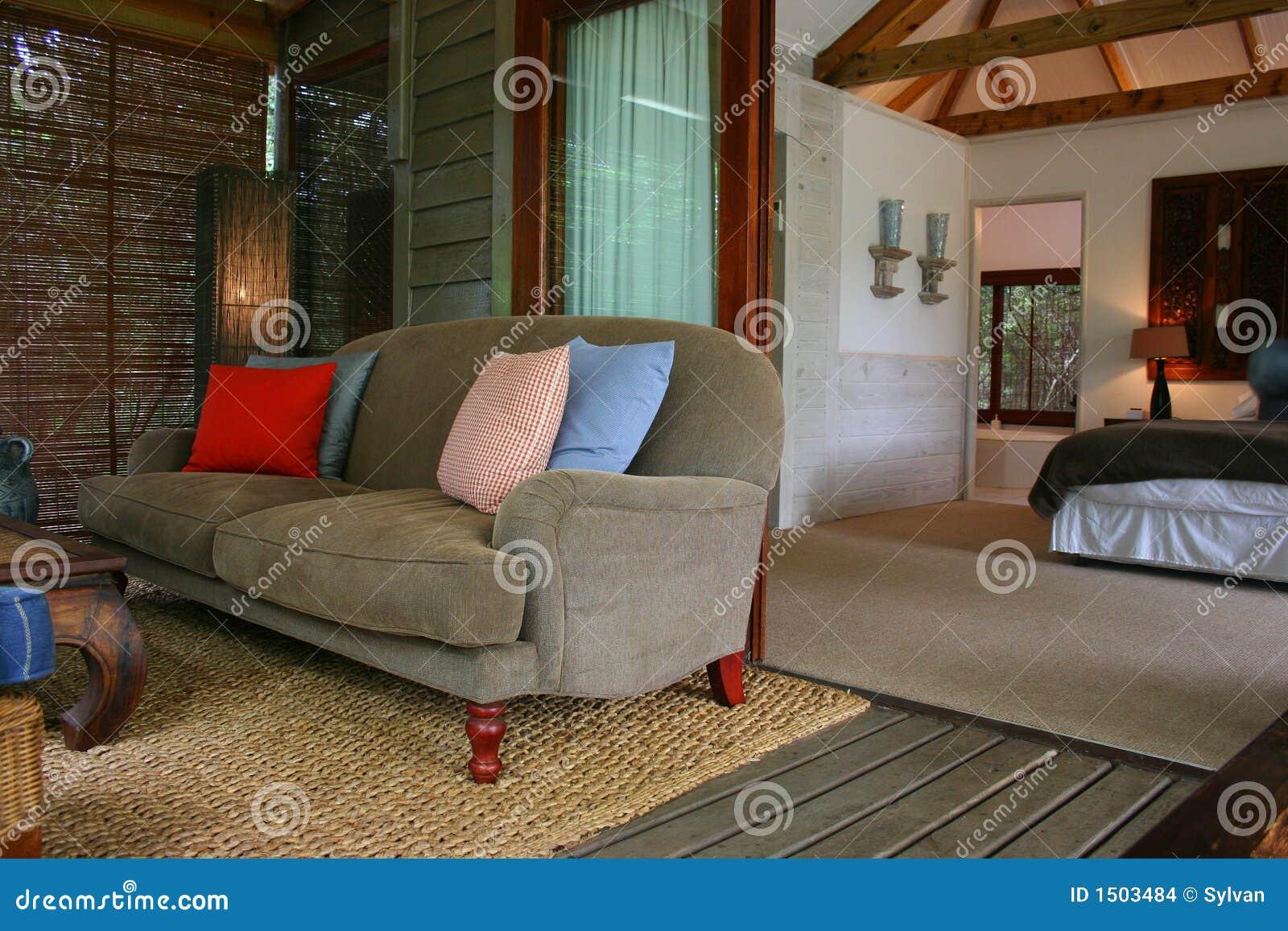 Camera da letto interna africana moderna con la veranda - Centrini per camera da letto moderna ...