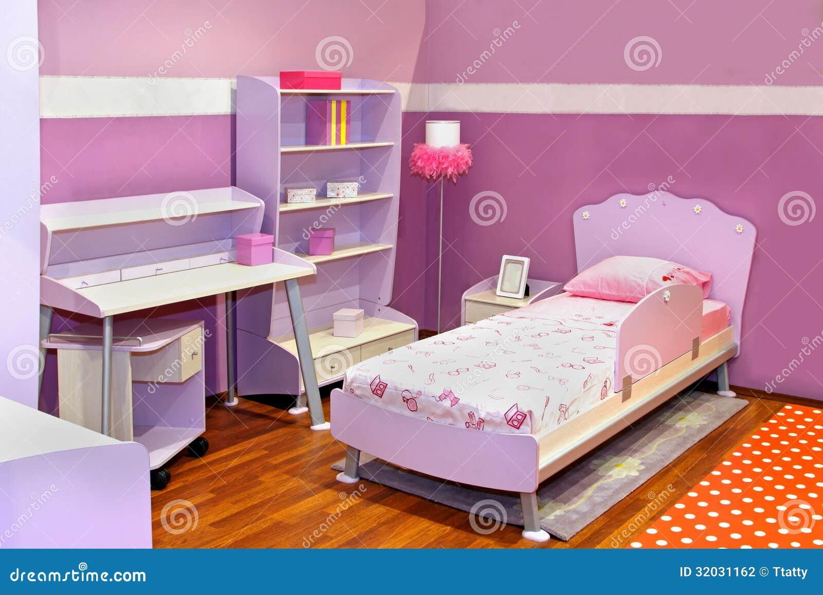 Camera da letto lilla della ragazza fotografia stock for Accessori camera da letto ragazza