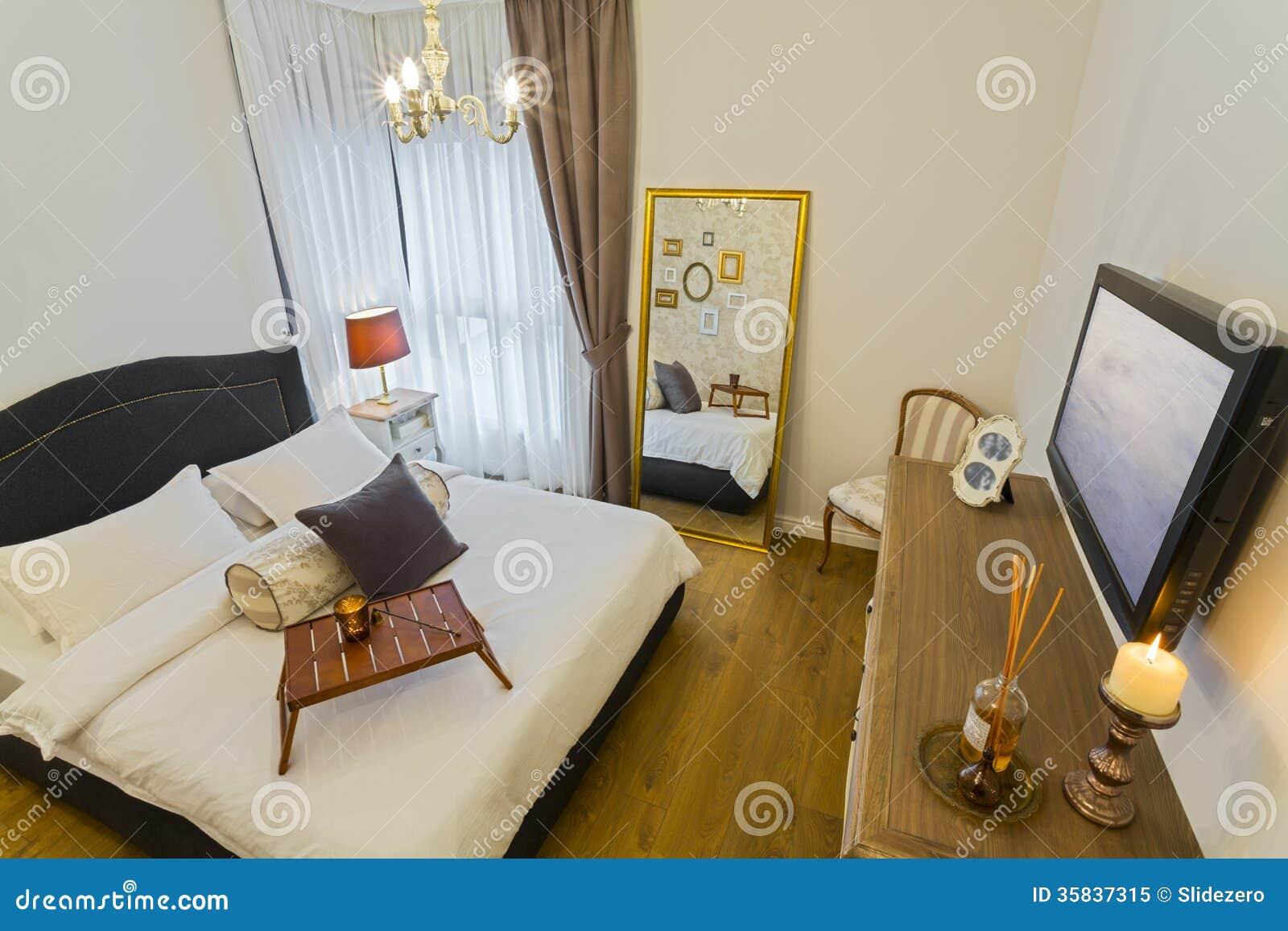 Televisore camera da letto: mobiletti porta tv versatilità innata ...