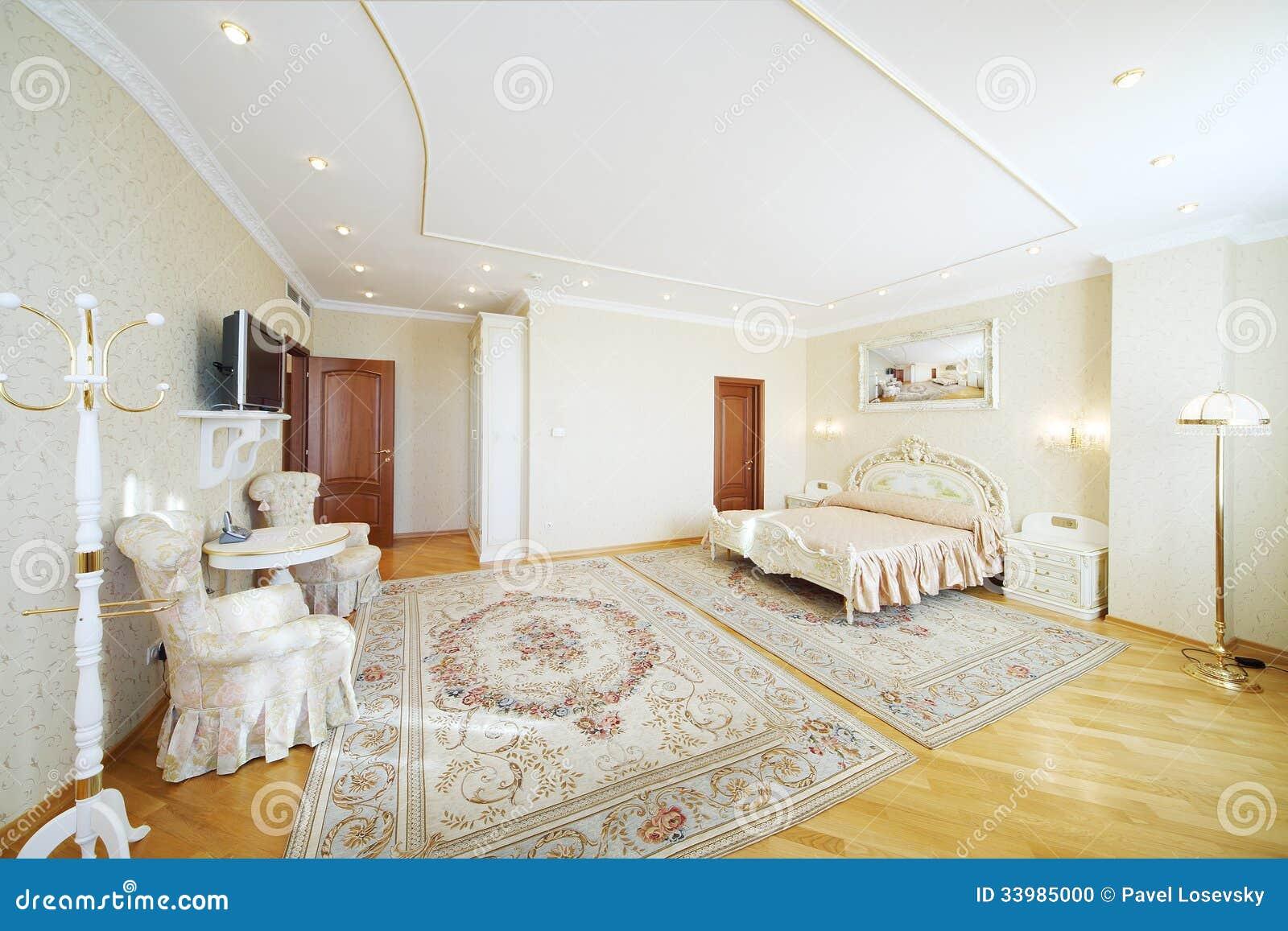 Camere Da Letto Matrimoniali Da Sogno : Camera da letto lussuosa con bello letto matrimoniale con le