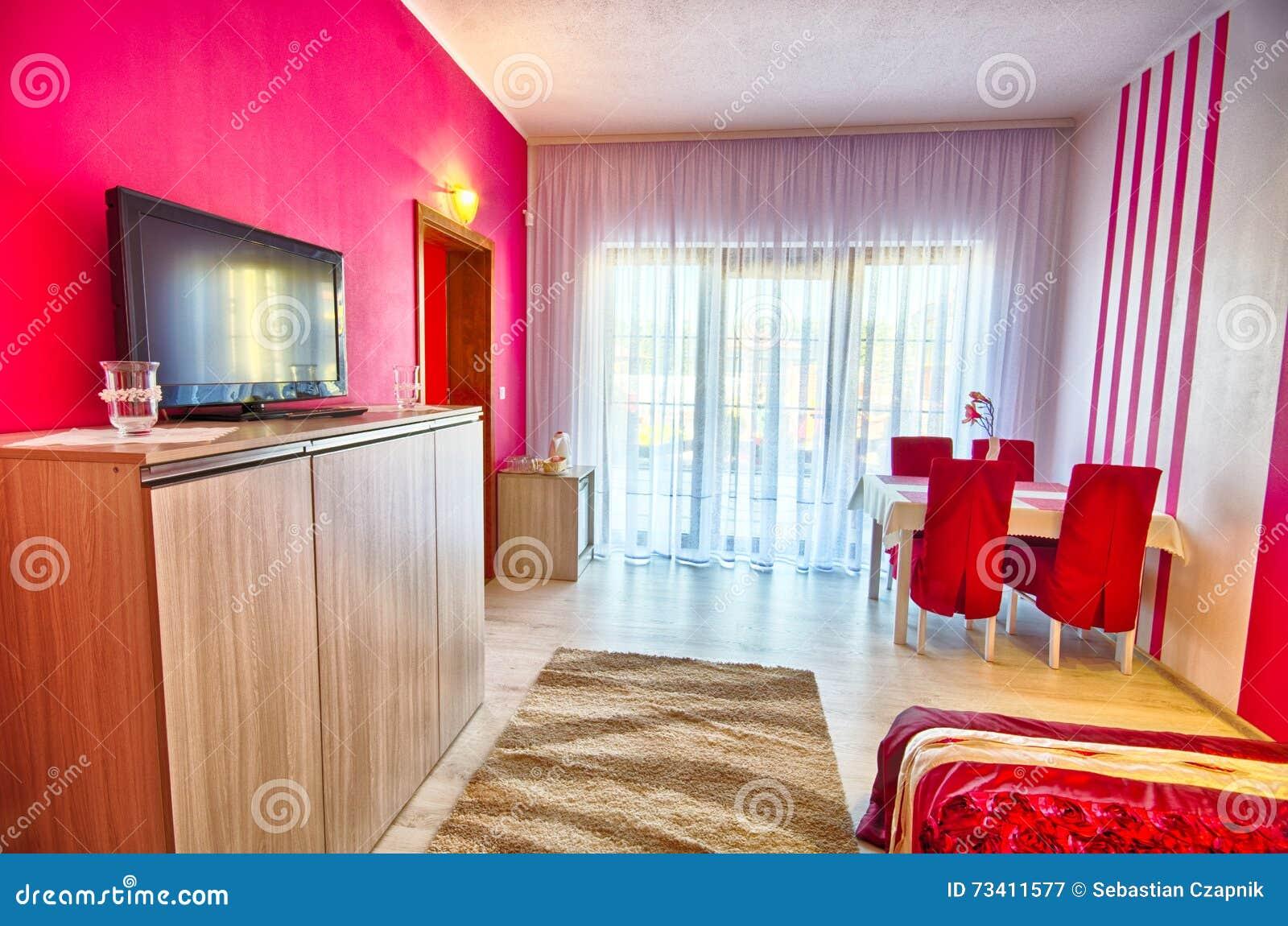 Camera Da Letto Moderna Rossa E Bianca Immagine Stock - Immagine di ...