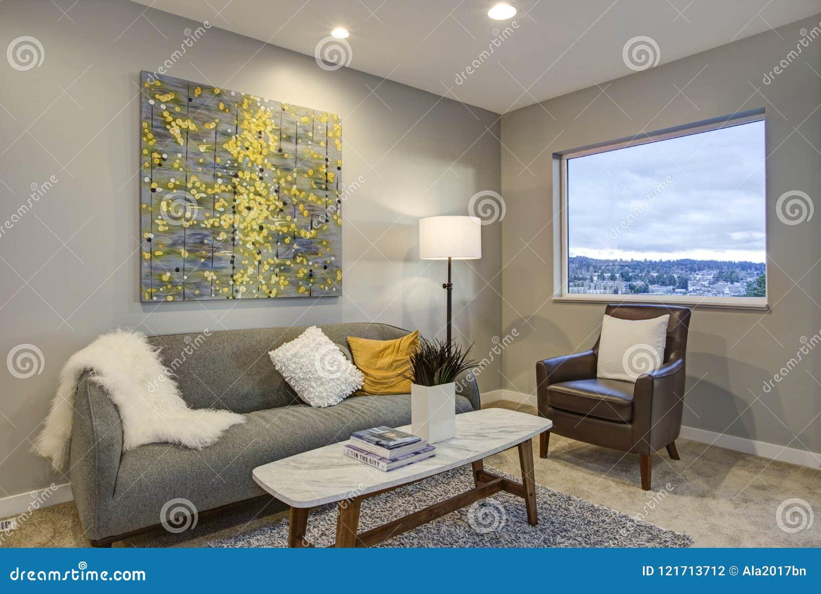 Angolo Del Letto : Camera da letto principale di sopra di stordimento con langolo