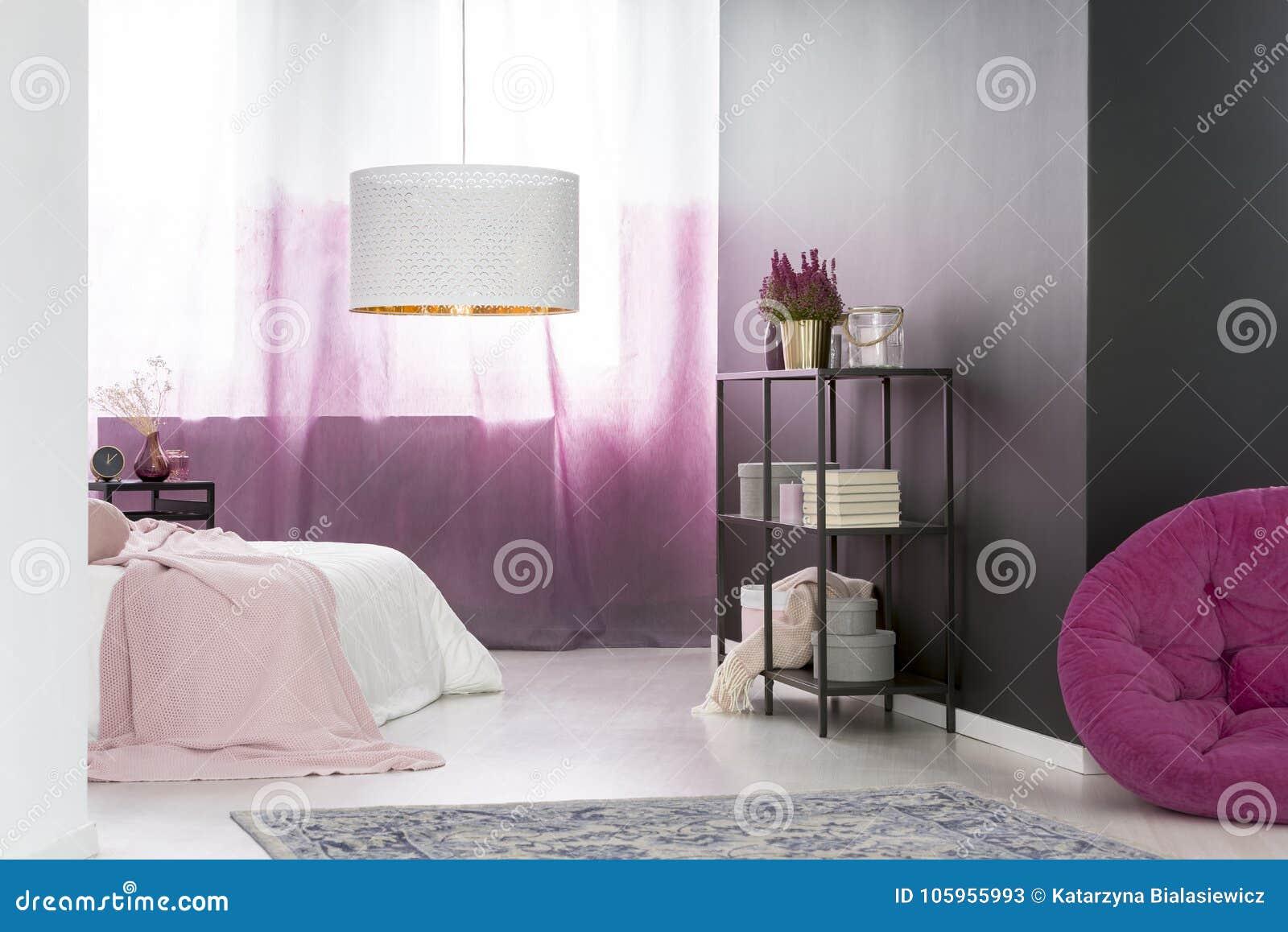 Camera Letto Rosa : Camera da letto rosa e nera immagine stock immagine di domestico