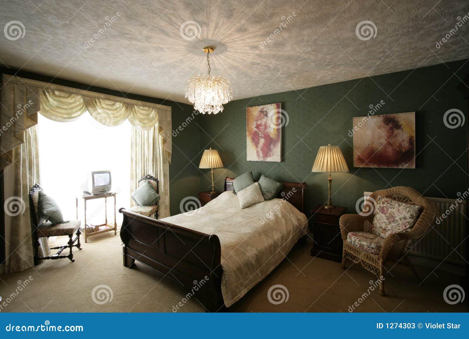 Camera da letto verde immagine stock. Immagine di doppio ...