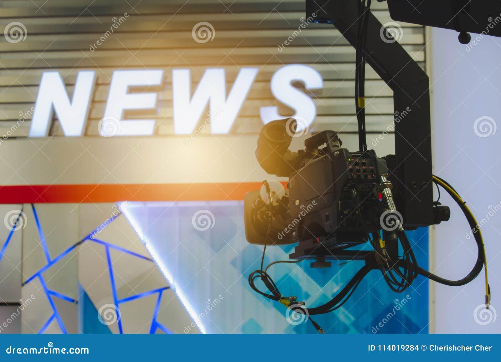Camera in de ruimte van het uitzendingsnieuws