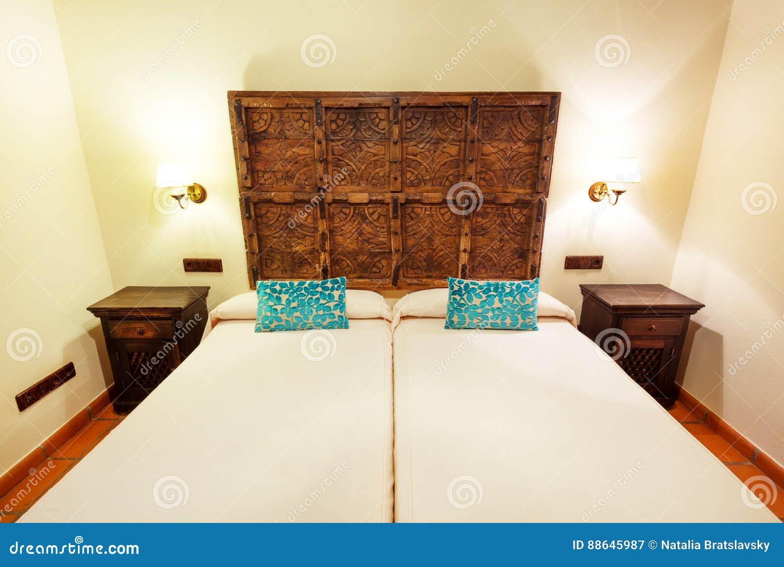 Camera Doppia In Hotel Spagnolo Immagine Stock - Immagine di ...