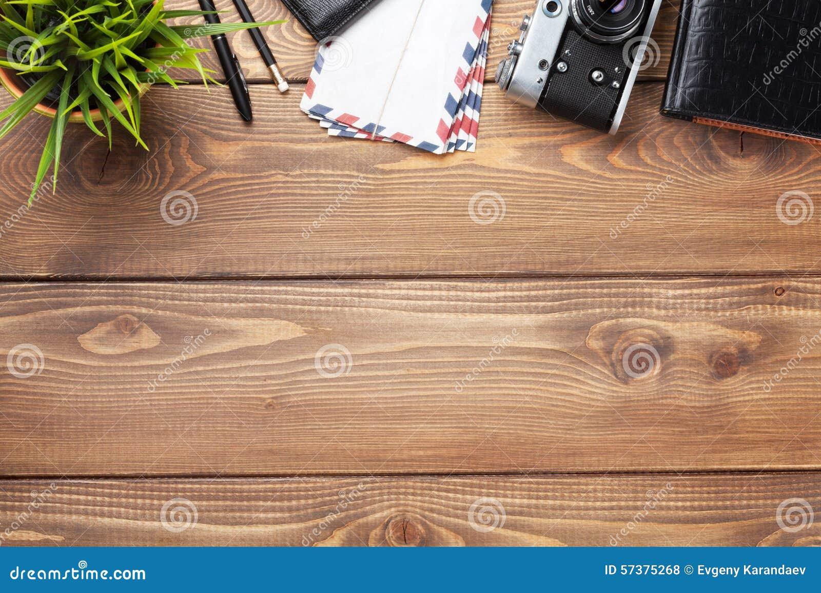 Camera en levering op bureau houten bureau