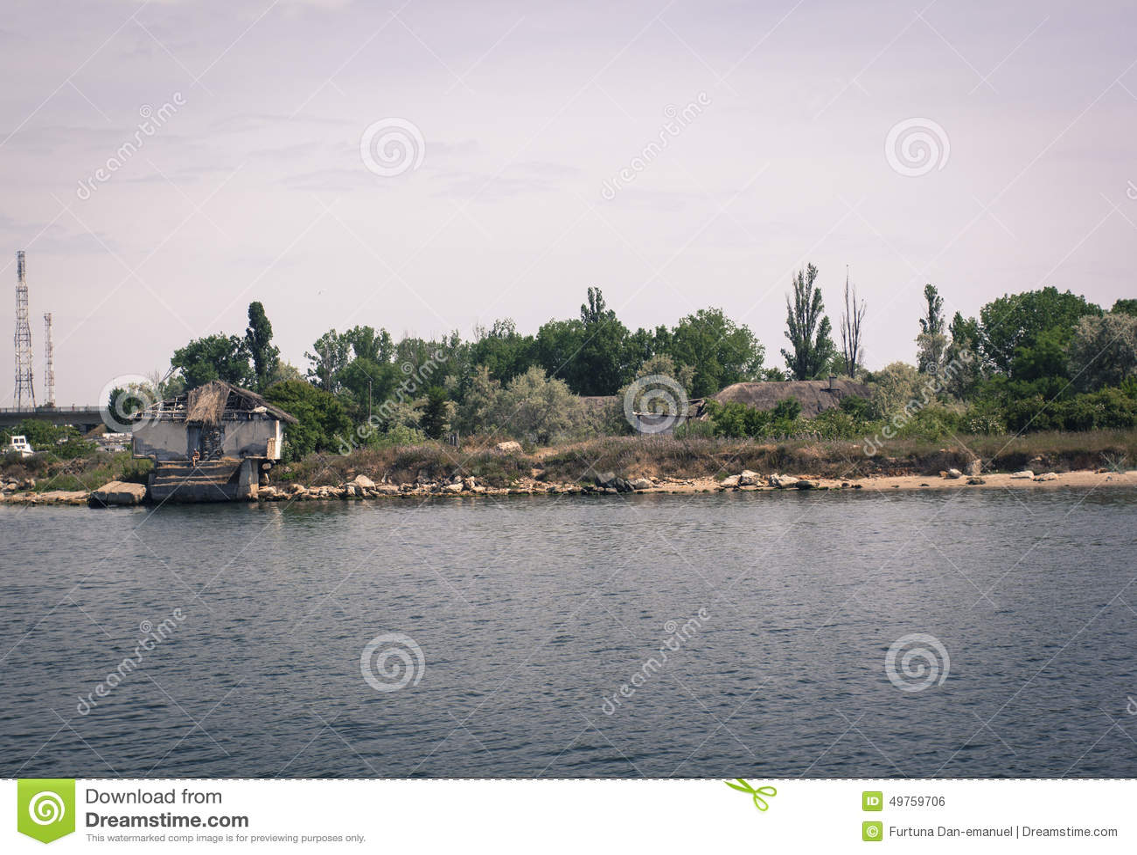 Camera su un lago