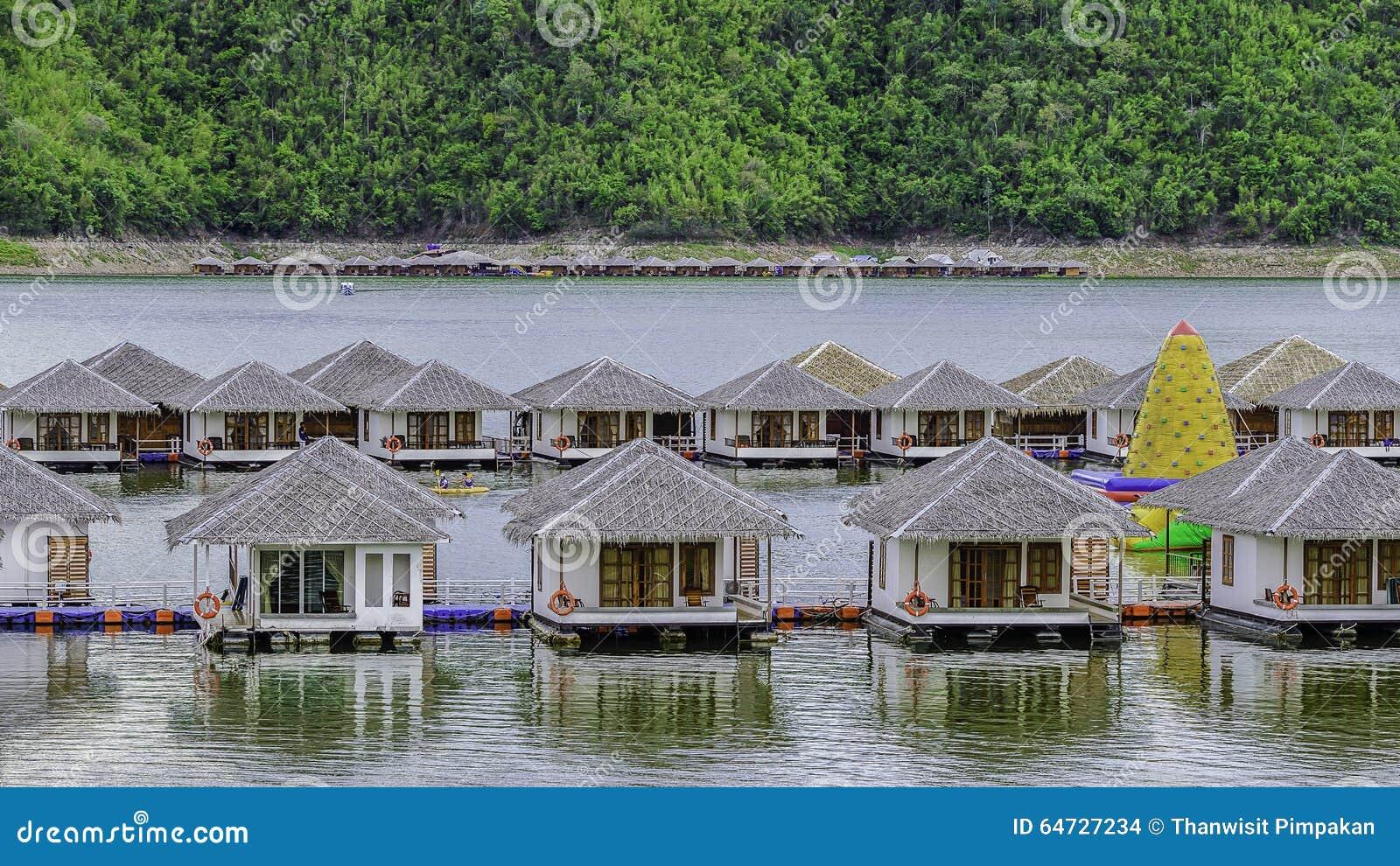 Camera sul fiume