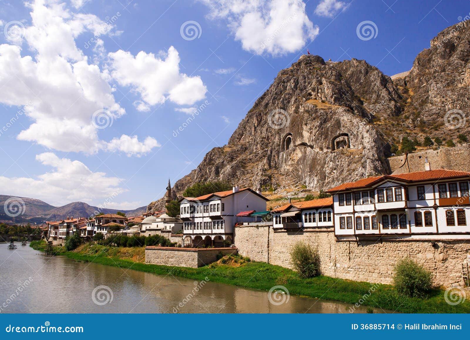 Download Camere Di Amasya E Tombe Dei Re Fotografia Stock - Immagine di ponticello, storico: 36885714
