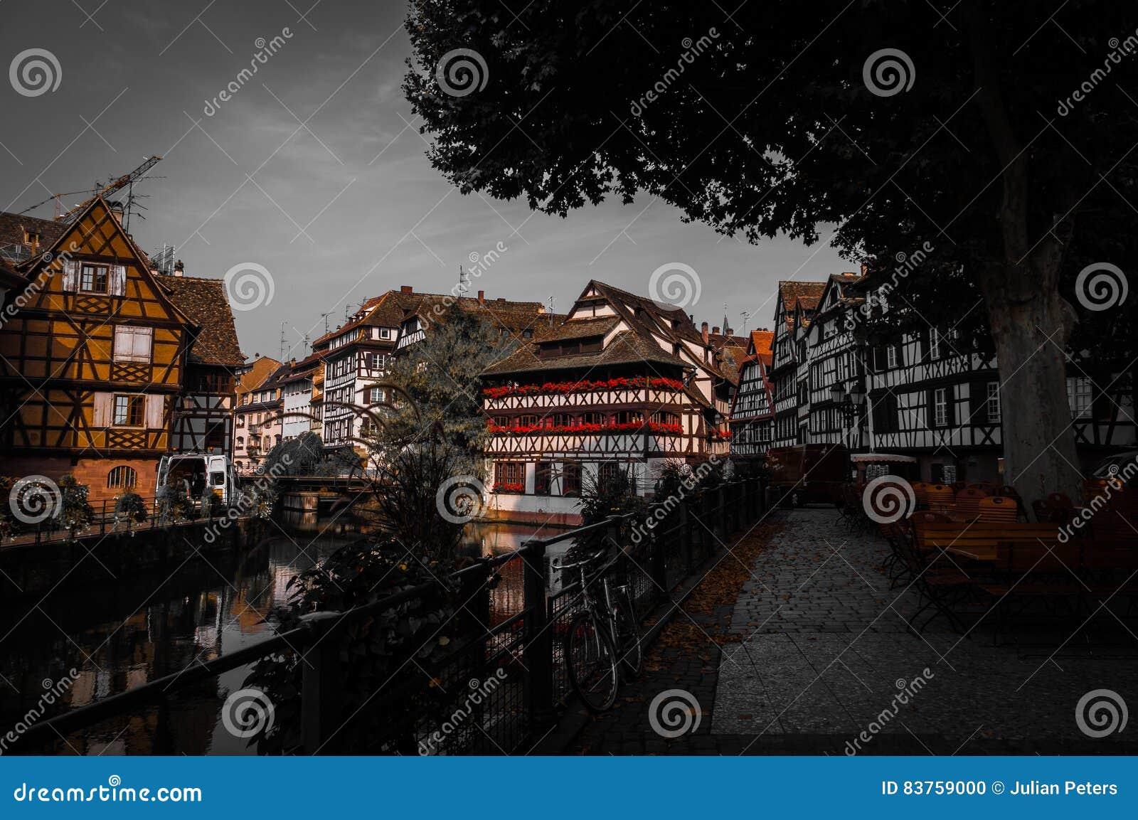 Camere di Città Vecchia nel distretto di Petite France in Strassburg, l Alsazia