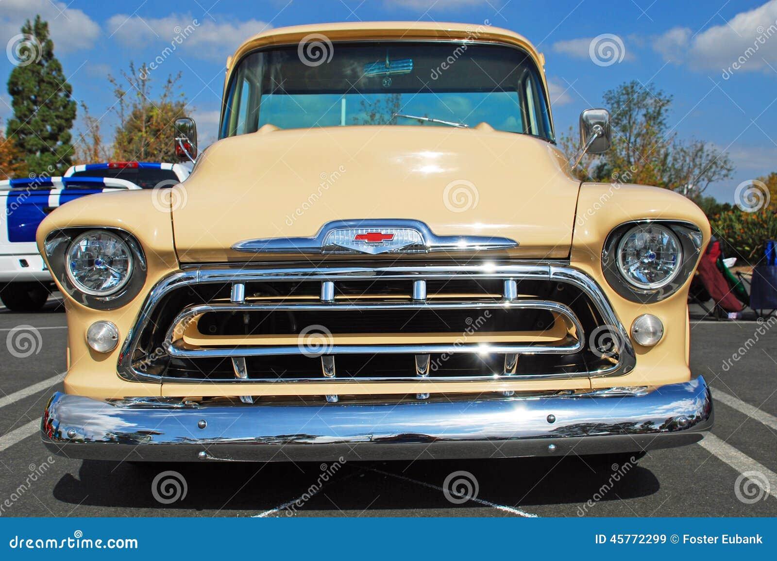 Camión Clásico De Chevrolet Foto editorial - Imagen de restauración ...