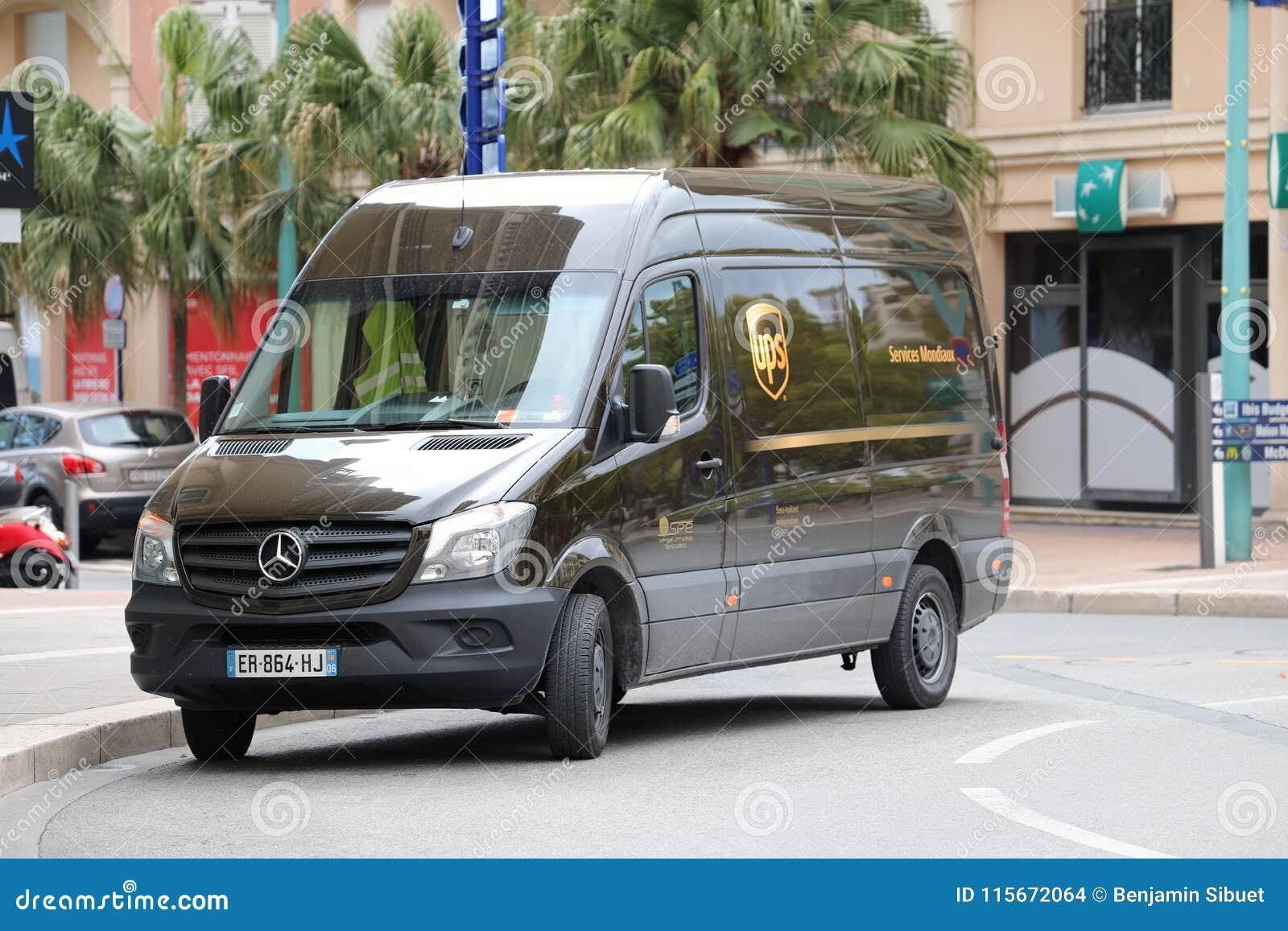 Camión de reparto de UPS