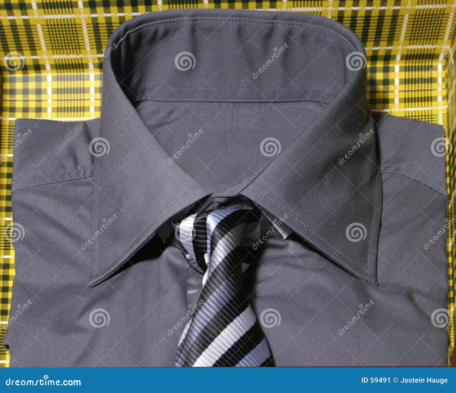 Camicia e legame