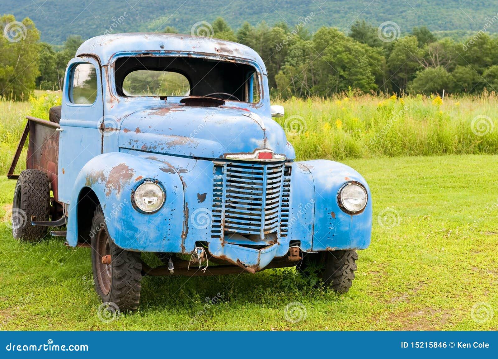 Caminhão abandonado velho