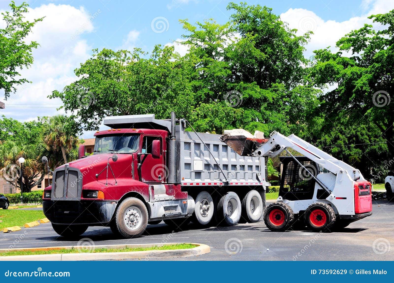 Caminhão da carga do carregador da roda