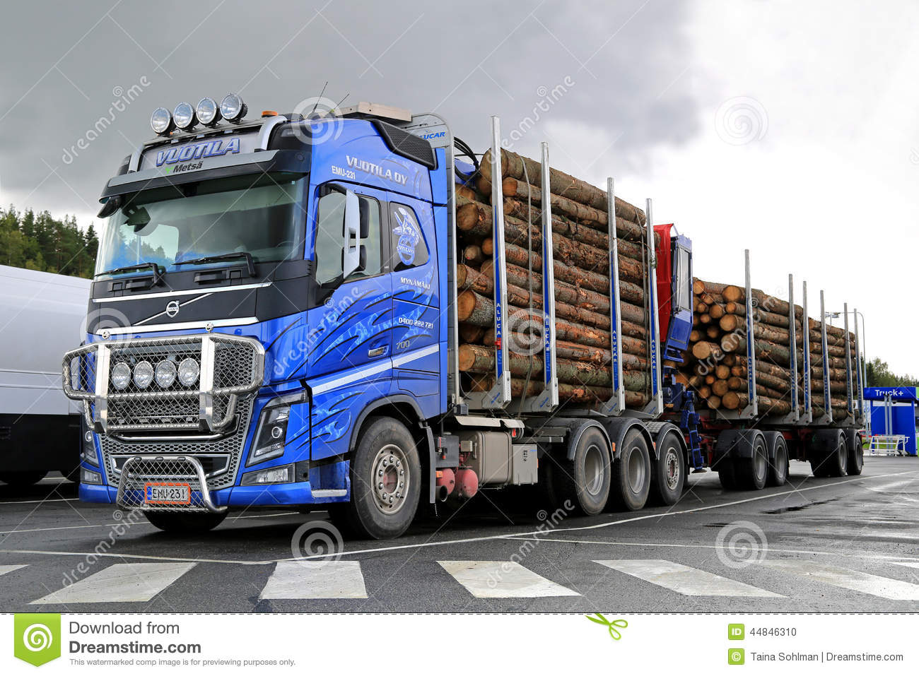 Video De Camion De Bois Volvo Decorer