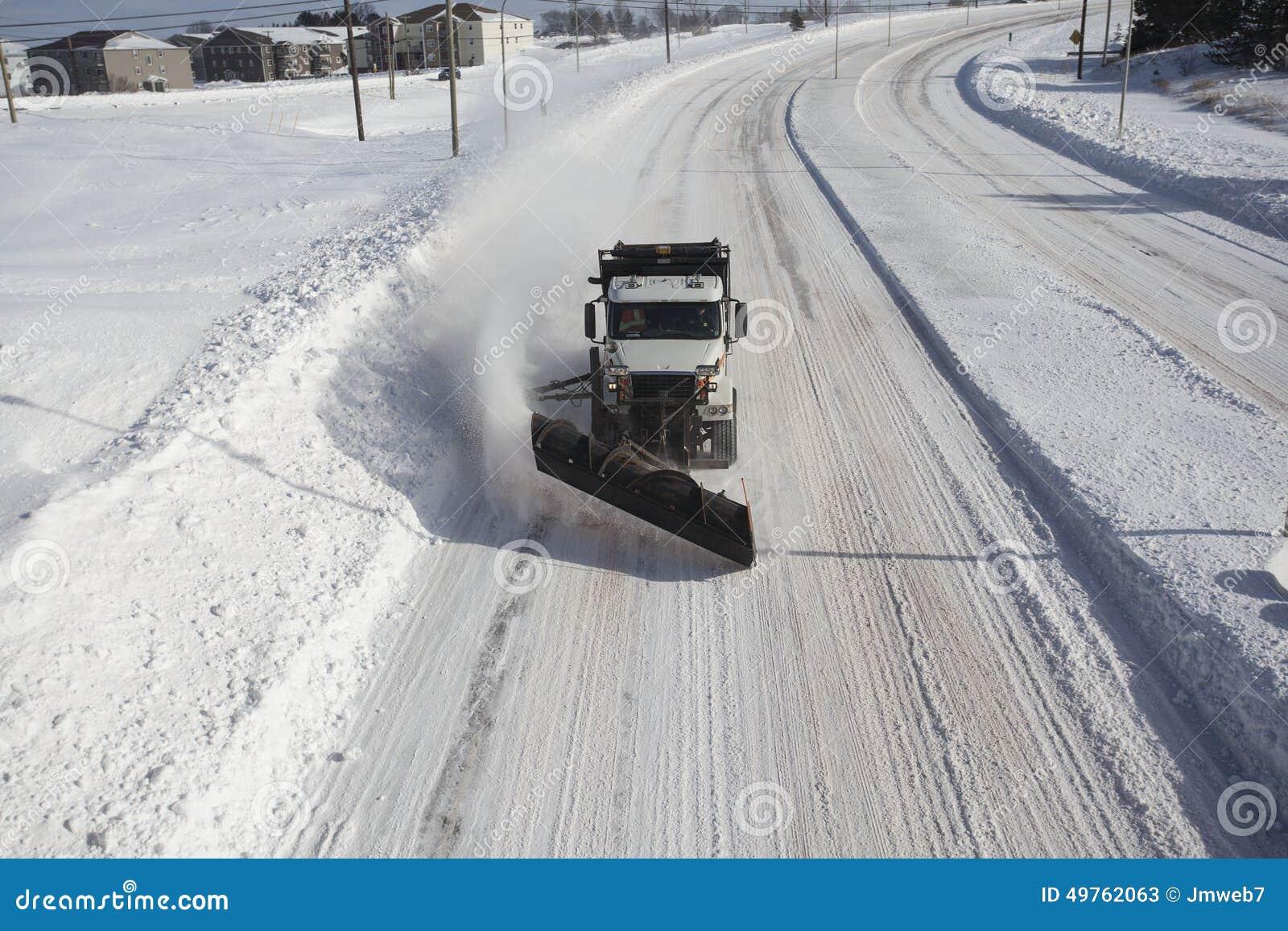 Caminhão de sal/arado de neve