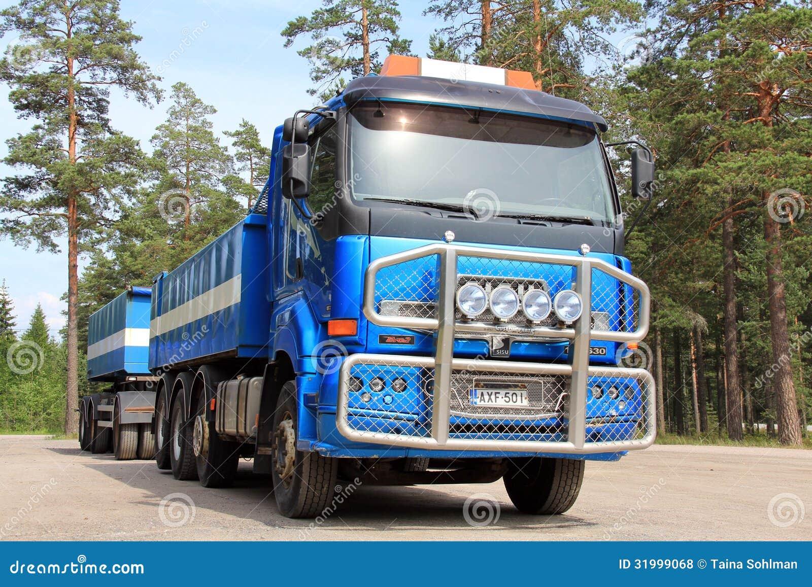 Caminhão e reboque de Sisu 18E630