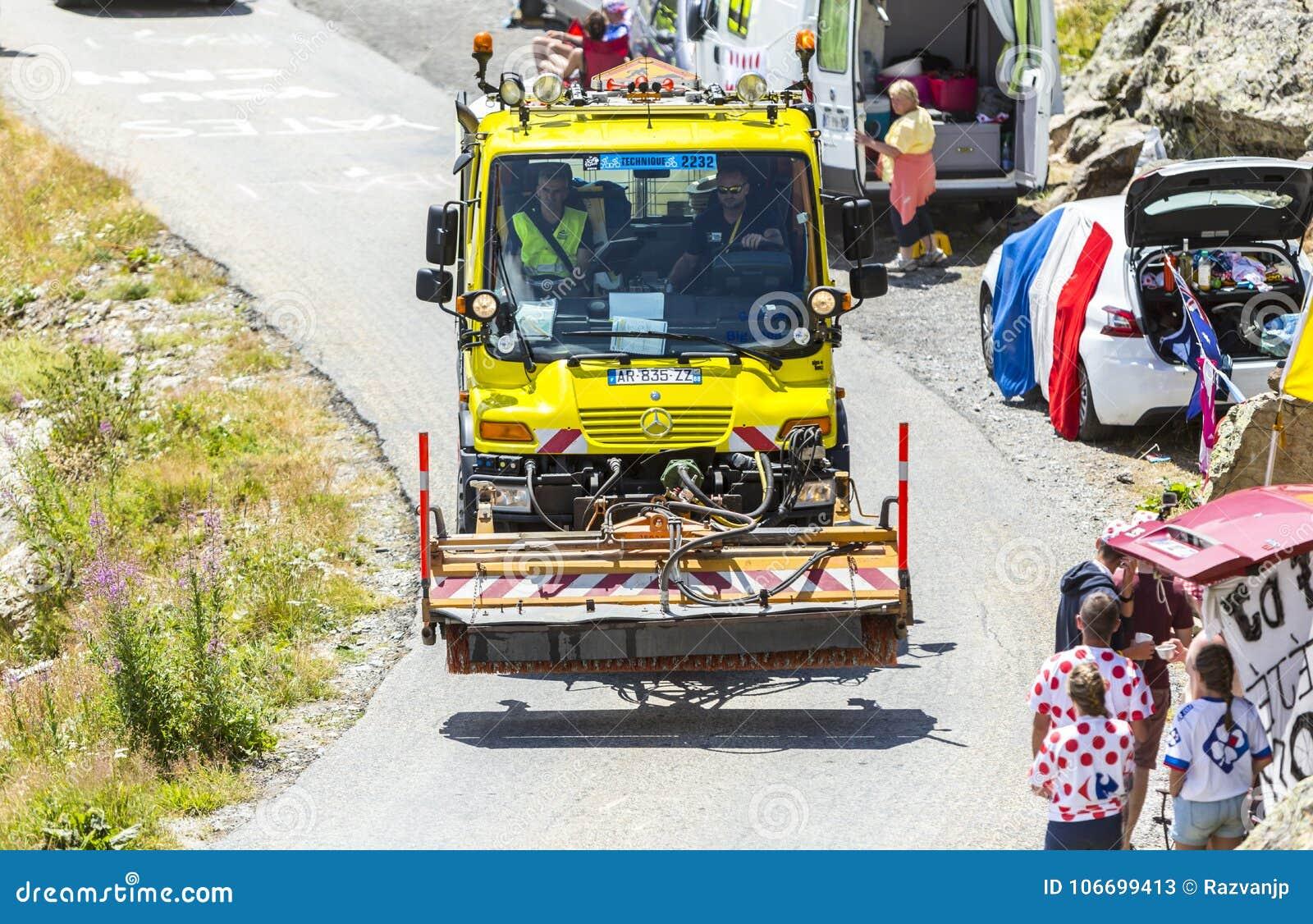 Caminhão técnico nos cumes - Tour de France 2015
