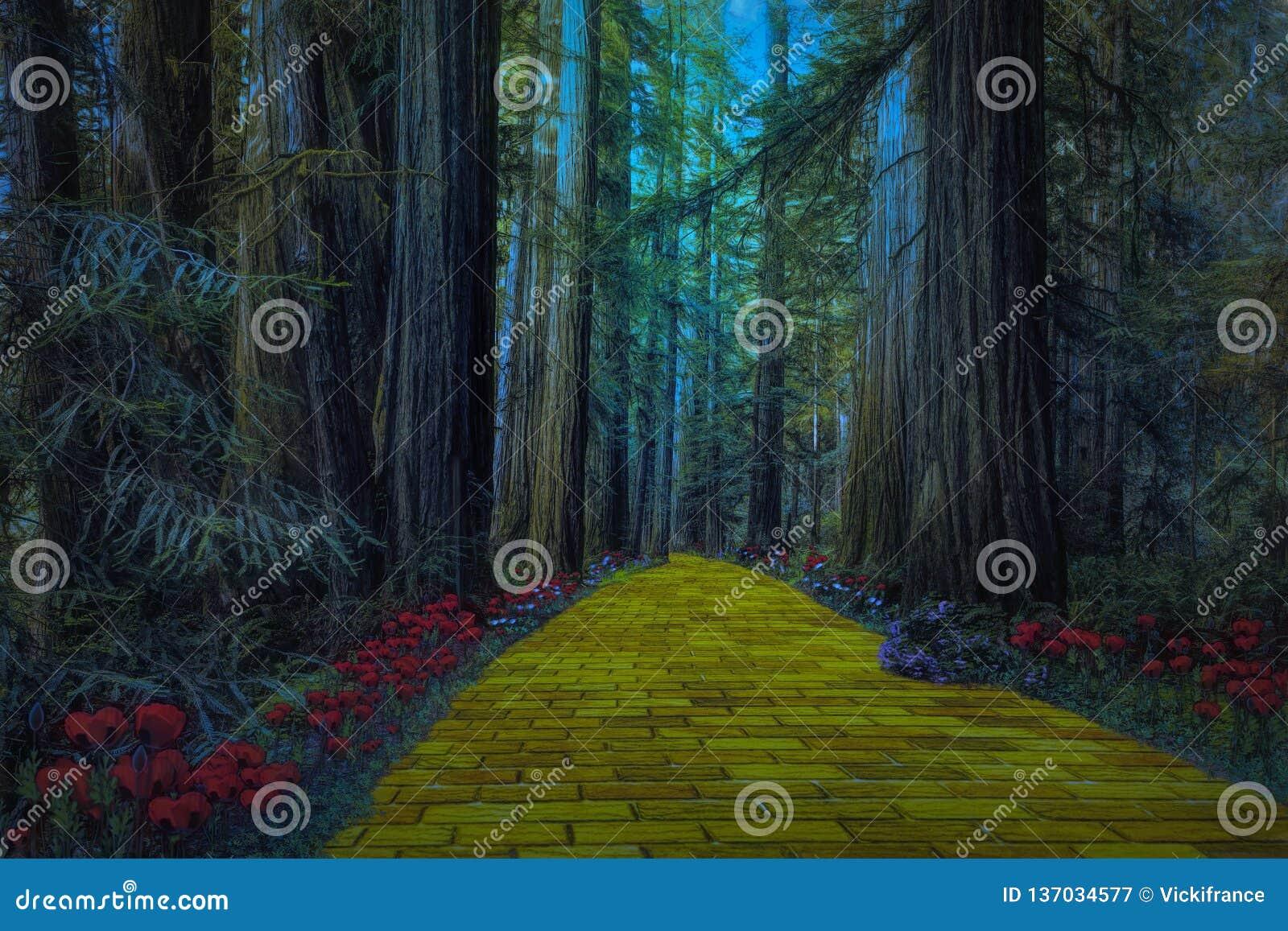 Camino amarillo del ladrillo que lleva a través de un bosque oscuro fantasmagórico