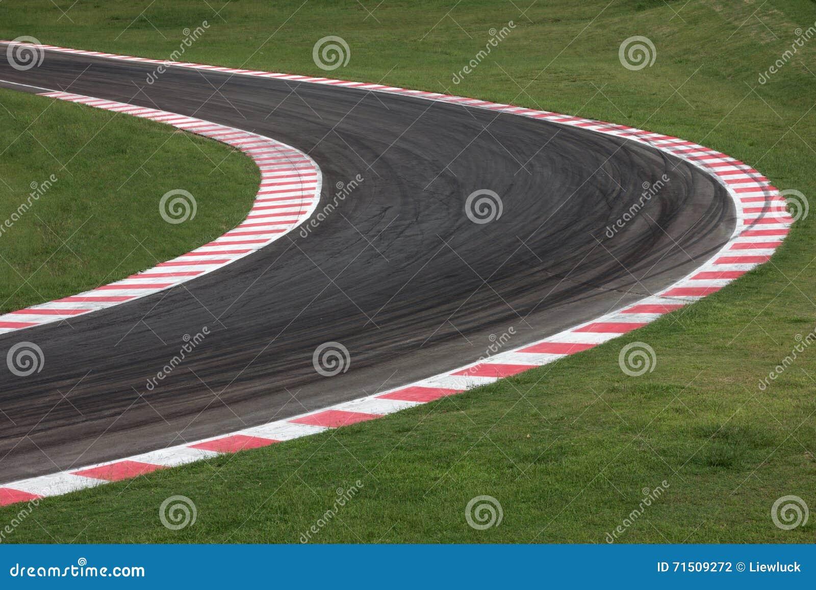 Camino de la curva del circuito de carreras