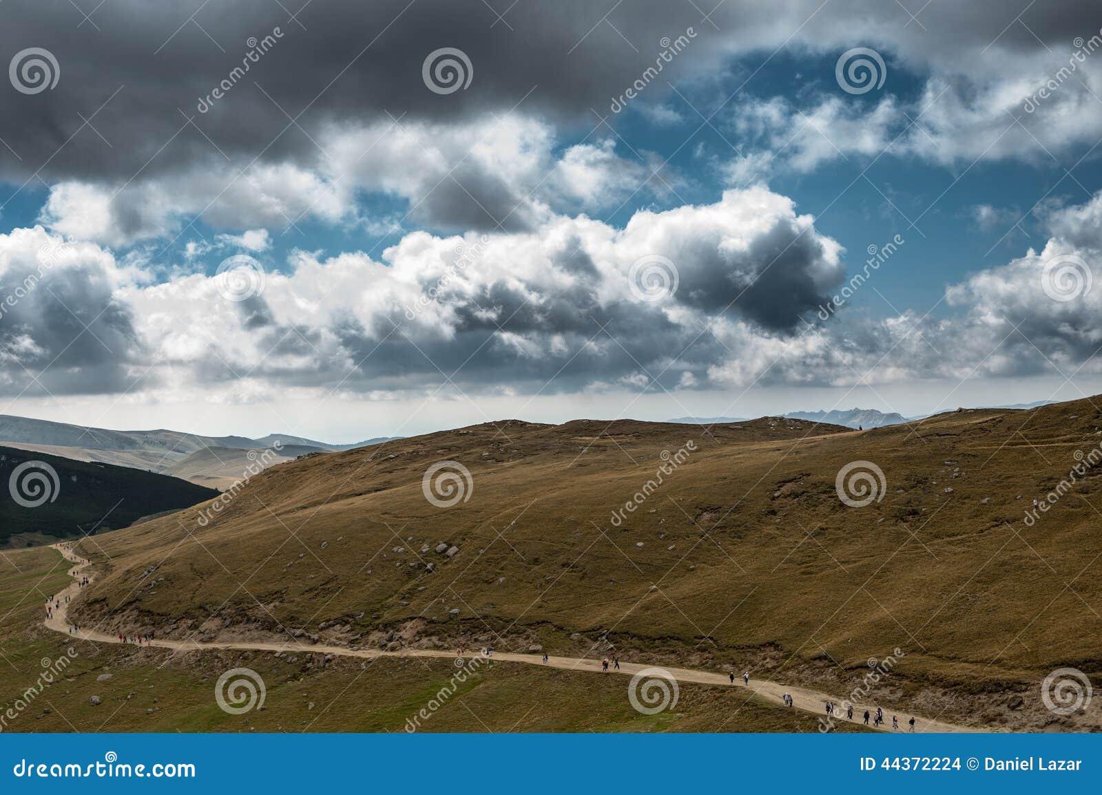 Camino en montañas
