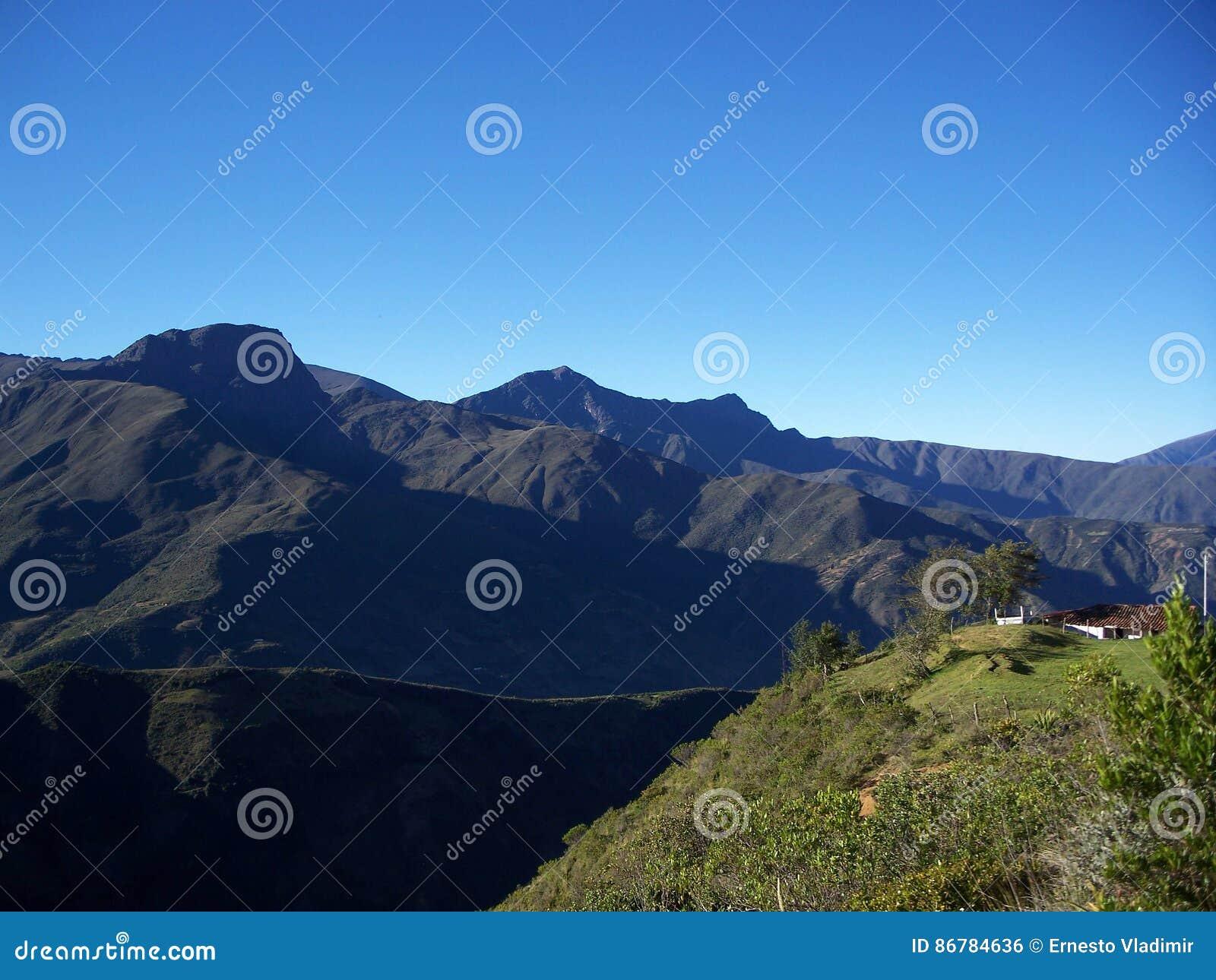 Camino a & x22; Los Nevados& x22;