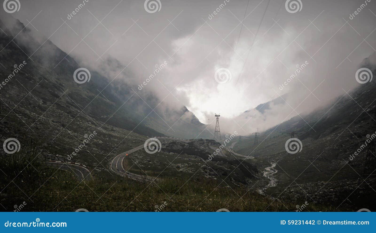 Download Camino torcido foto de archivo. Imagen de isla, necesidades - 59231442